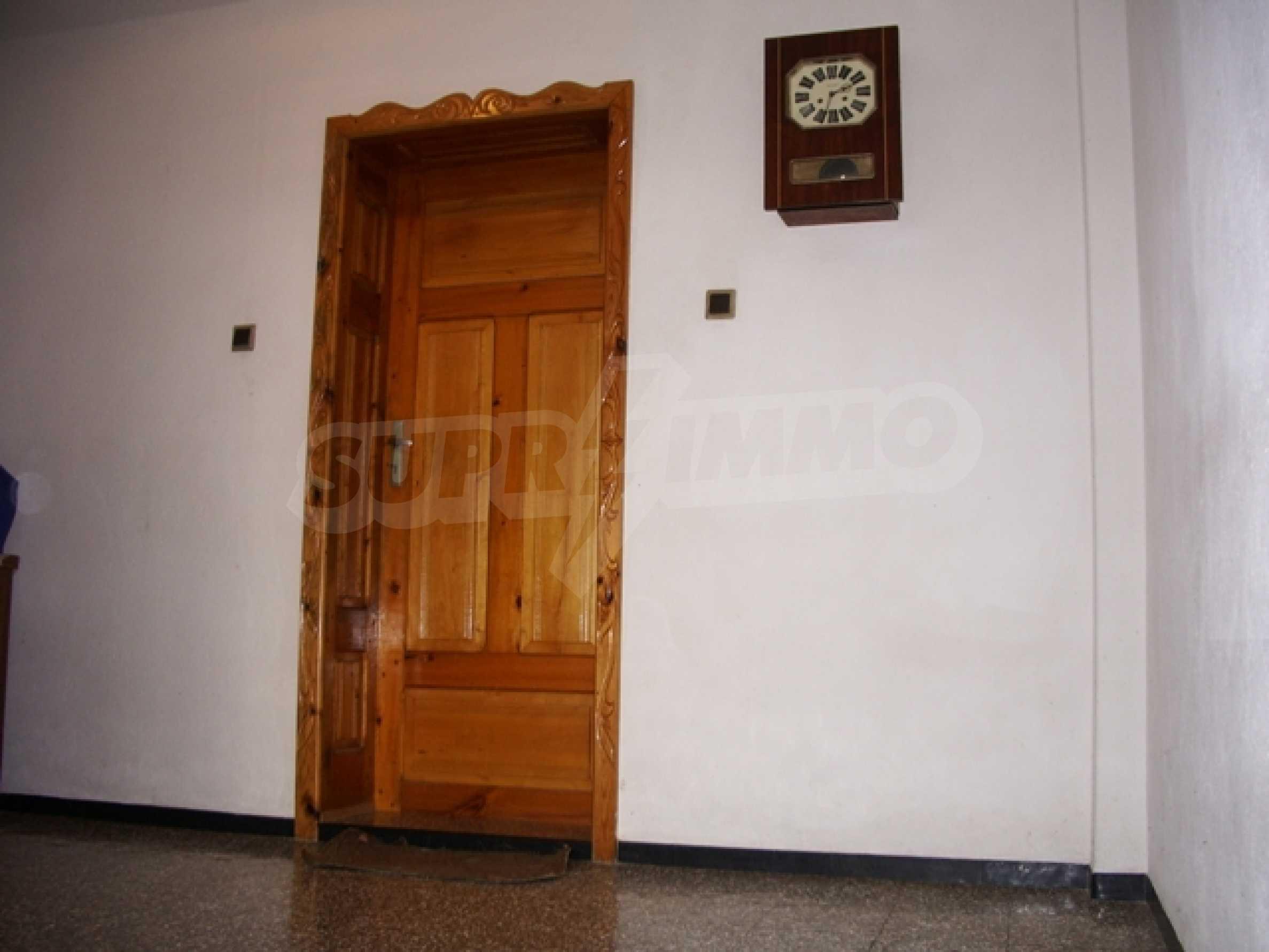 Триетажна къща близо до Варна 3