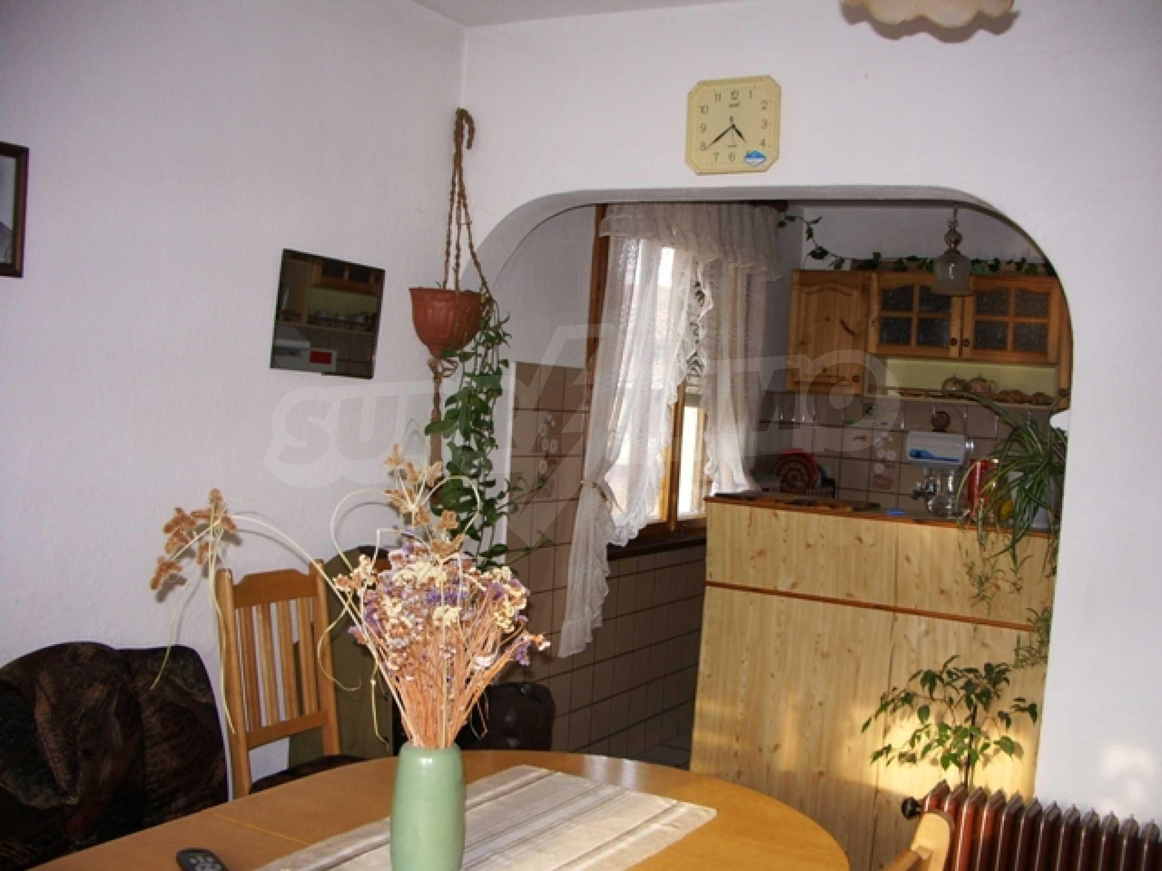 Триетажна къща близо до Варна 5