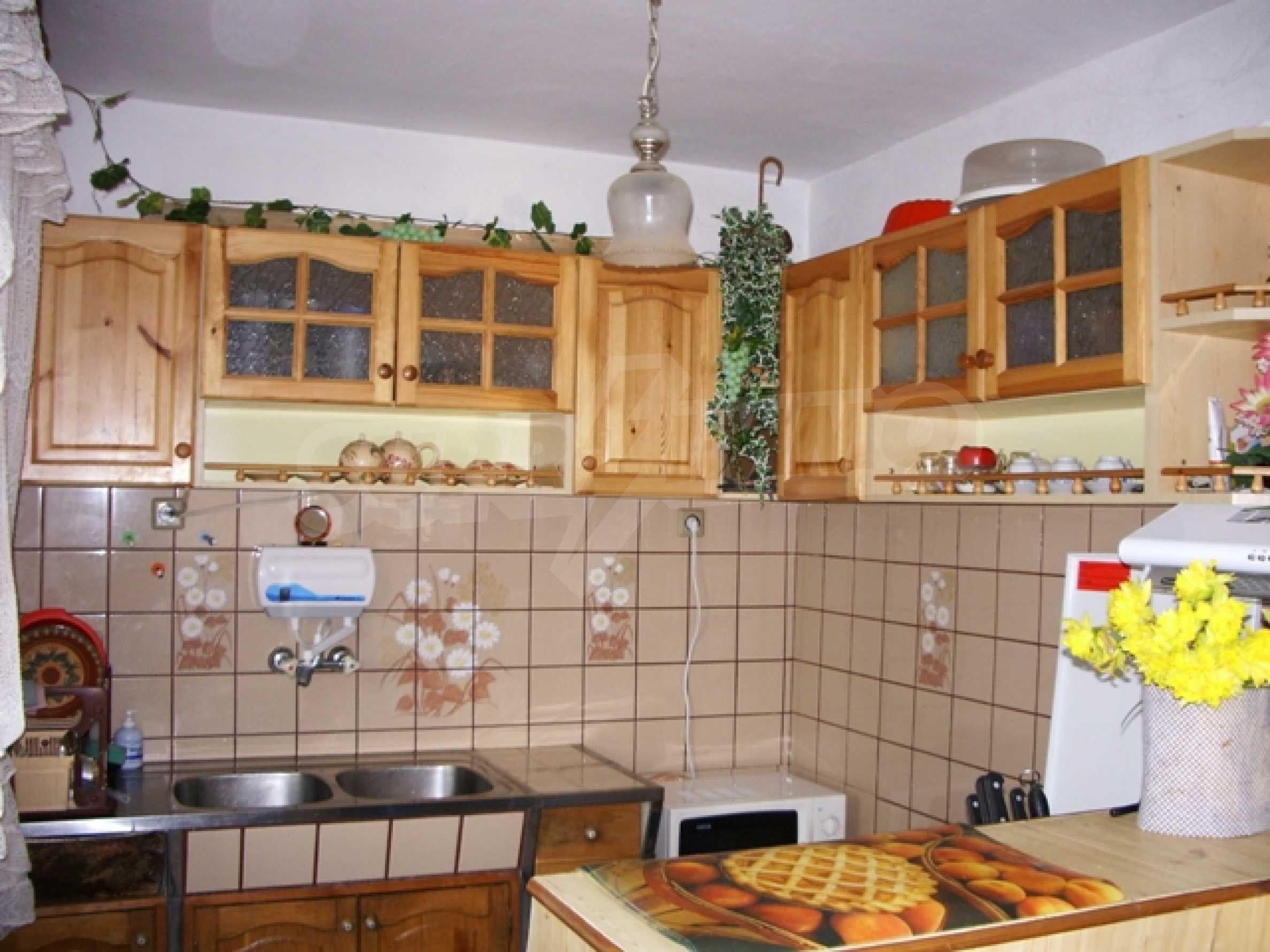 Триетажна къща близо до Варна 7