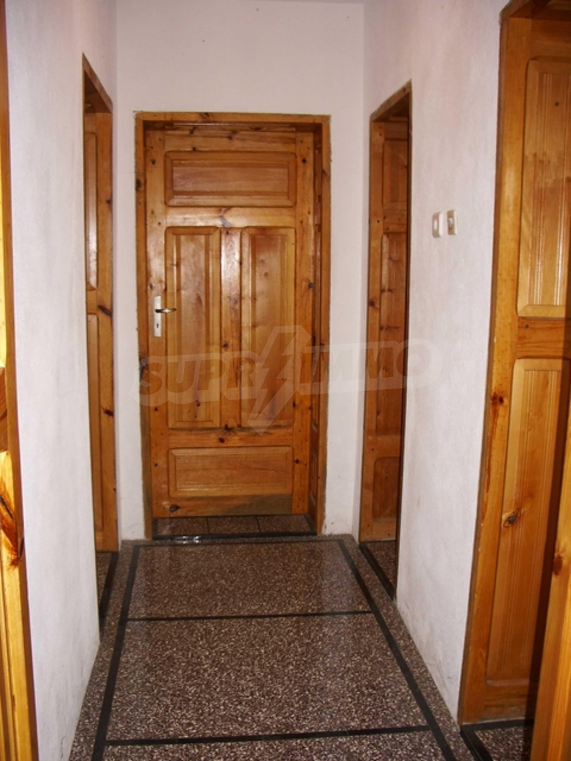 Триетажна къща близо до Варна 8