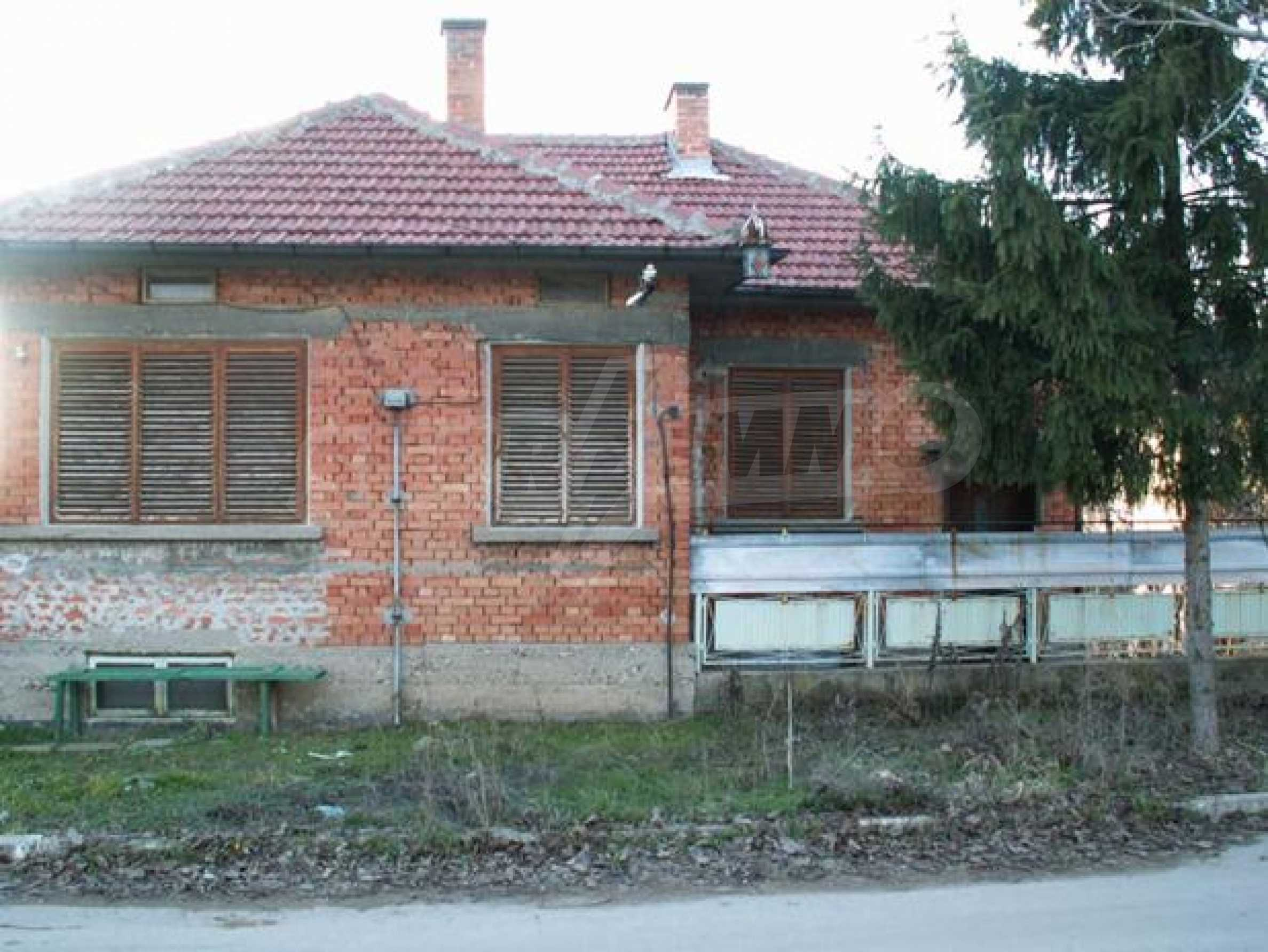 Къща продава в близост до Русе 2