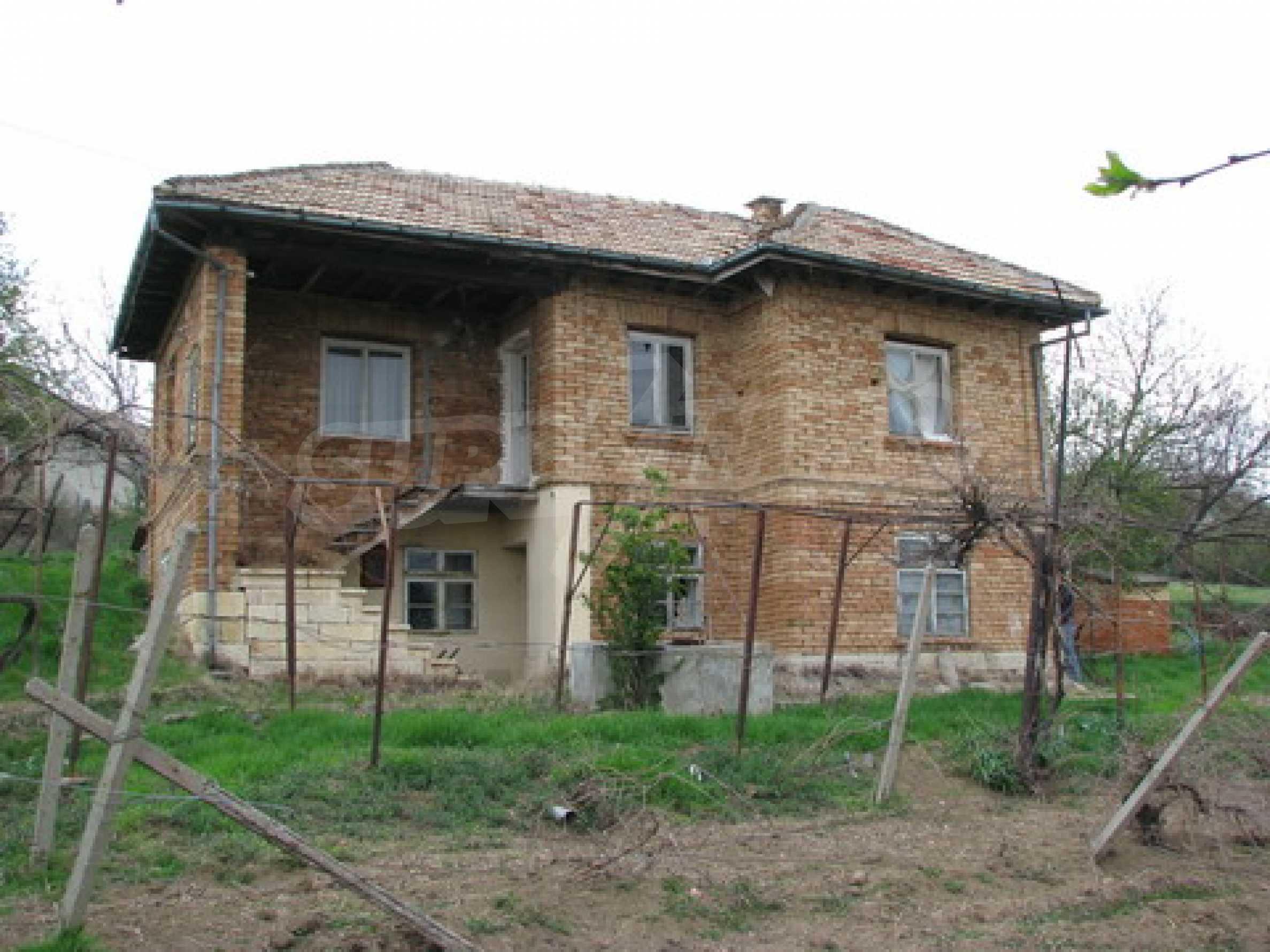 Haus zum Verkauf in der Nähe von Rousse