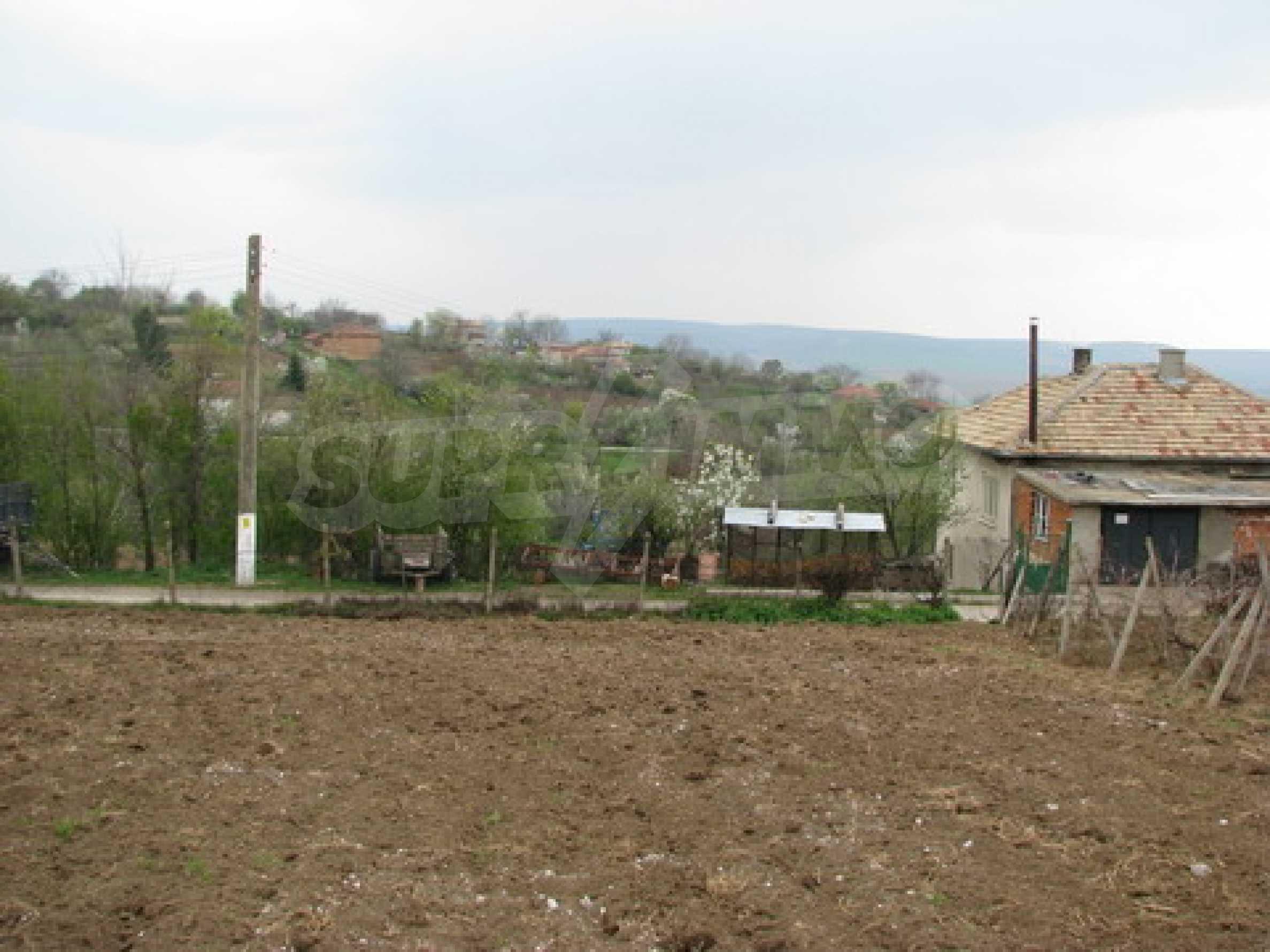 Haus zum Verkauf in der Nähe von Rousse 9