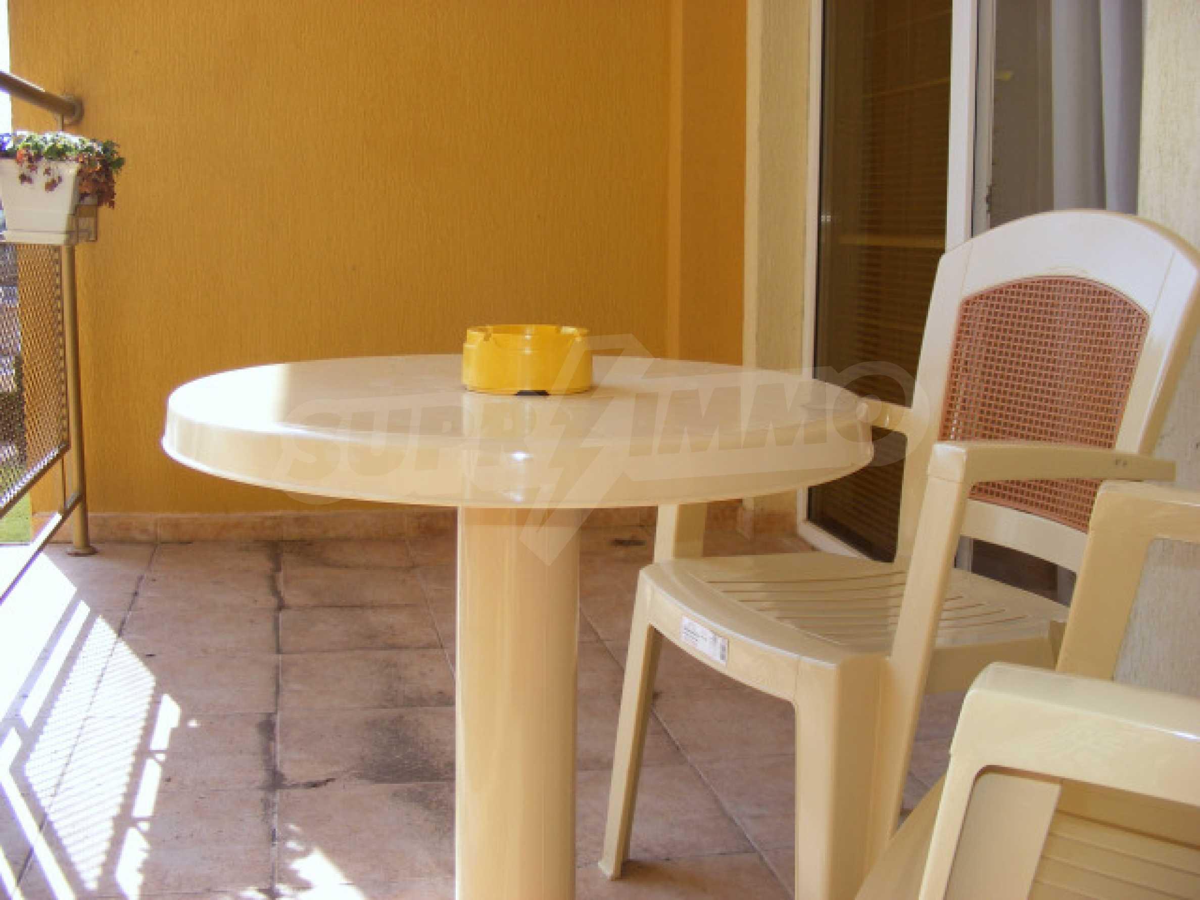 Komplett möbliertes Apartment mit 1 Schlafzimmer in Sunny Beach Goldener Sand, mit Meerblick 9