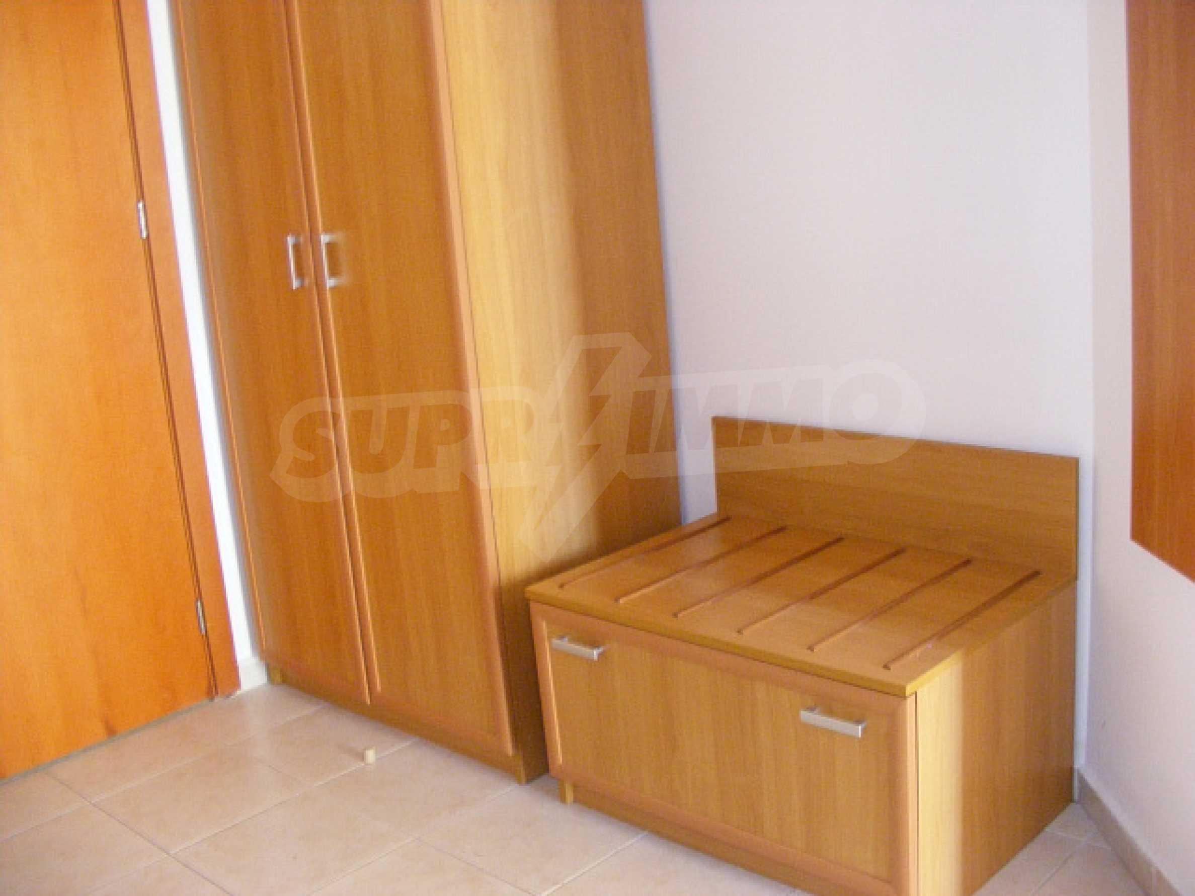 Komplett möbliertes Apartment mit 1 Schlafzimmer in Sunny Beach Goldener Sand, mit Meerblick 10