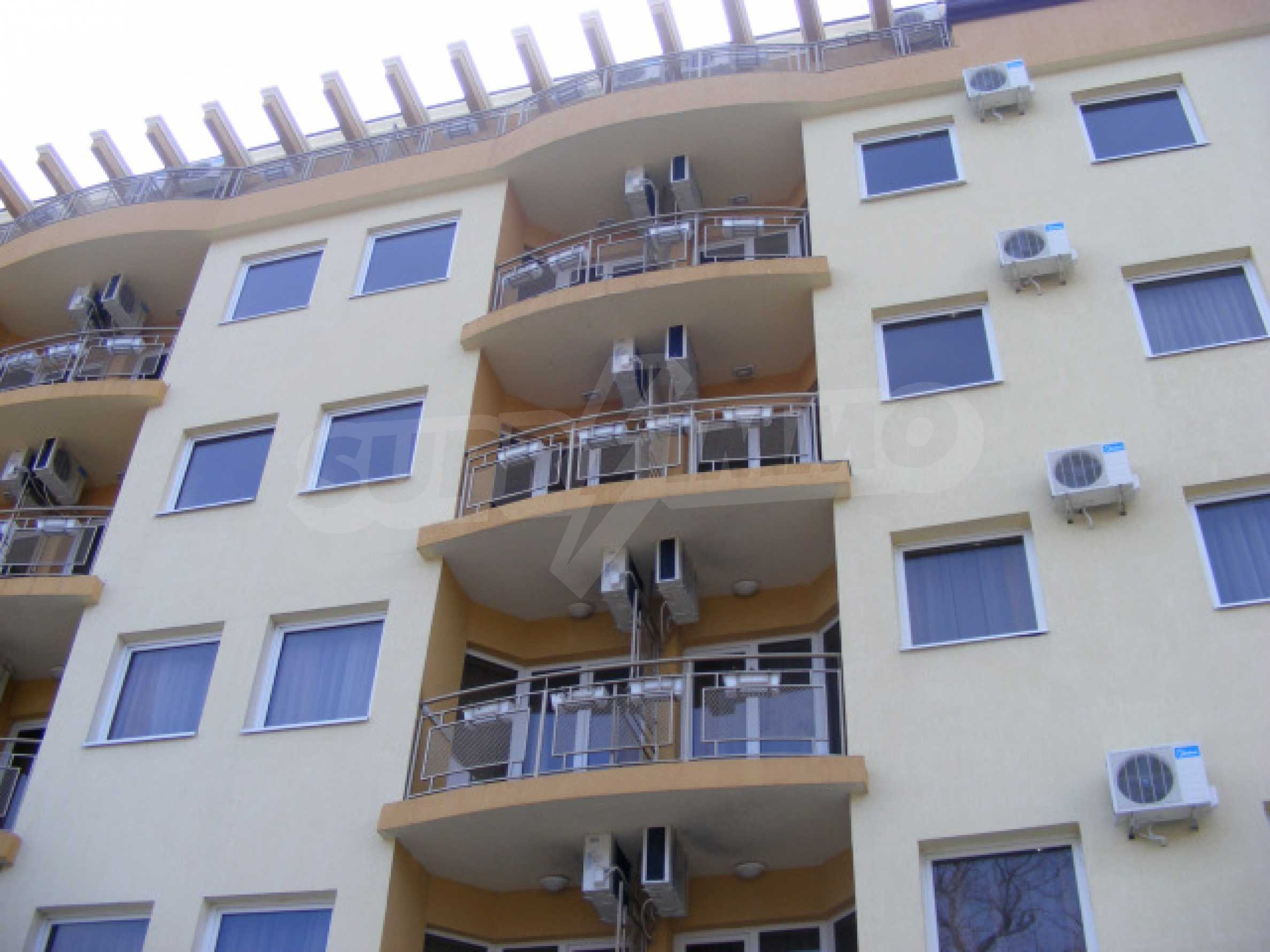 Fully furnished 1-bedroom apartment in Golden Sands with a sea view 16