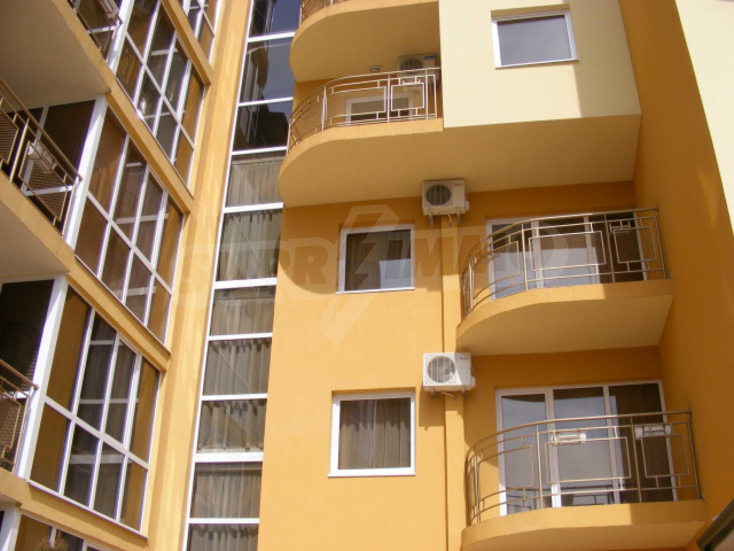 Komplett möbliertes Apartment mit 1 Schlafzimmer in Sunny Beach Goldener Sand, mit Meerblick 2