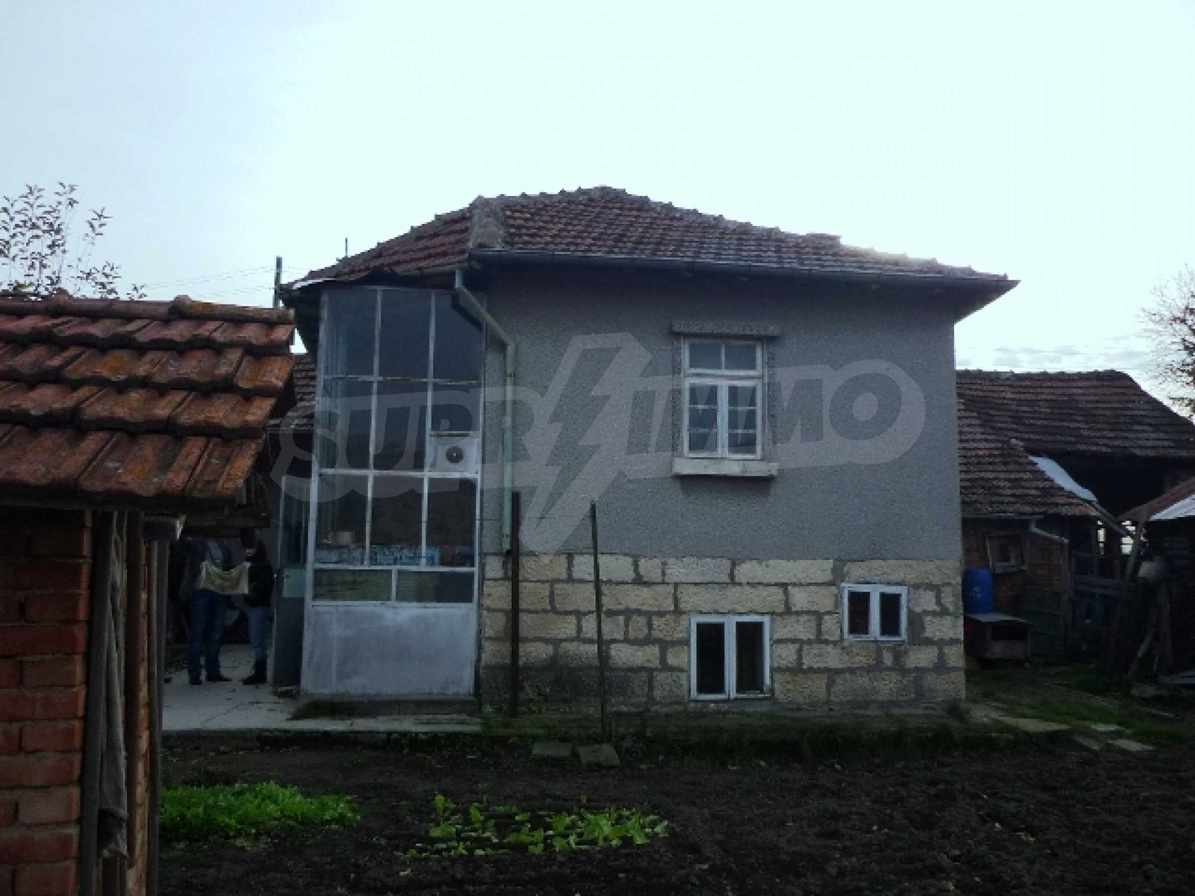 One-storey 5-bedroom house in Ostritsa village, Ruse district