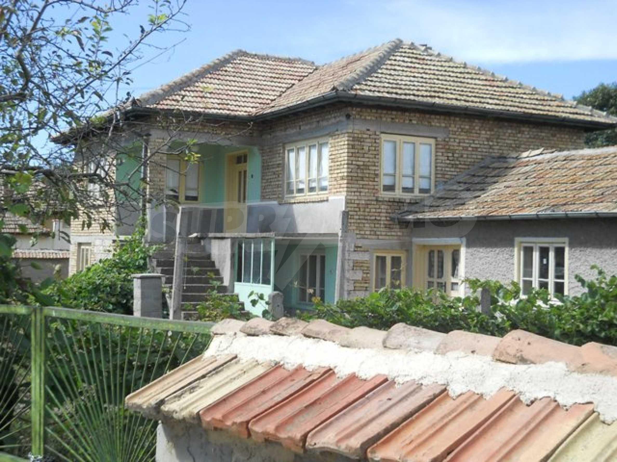 Къща продава близо до Варна 21