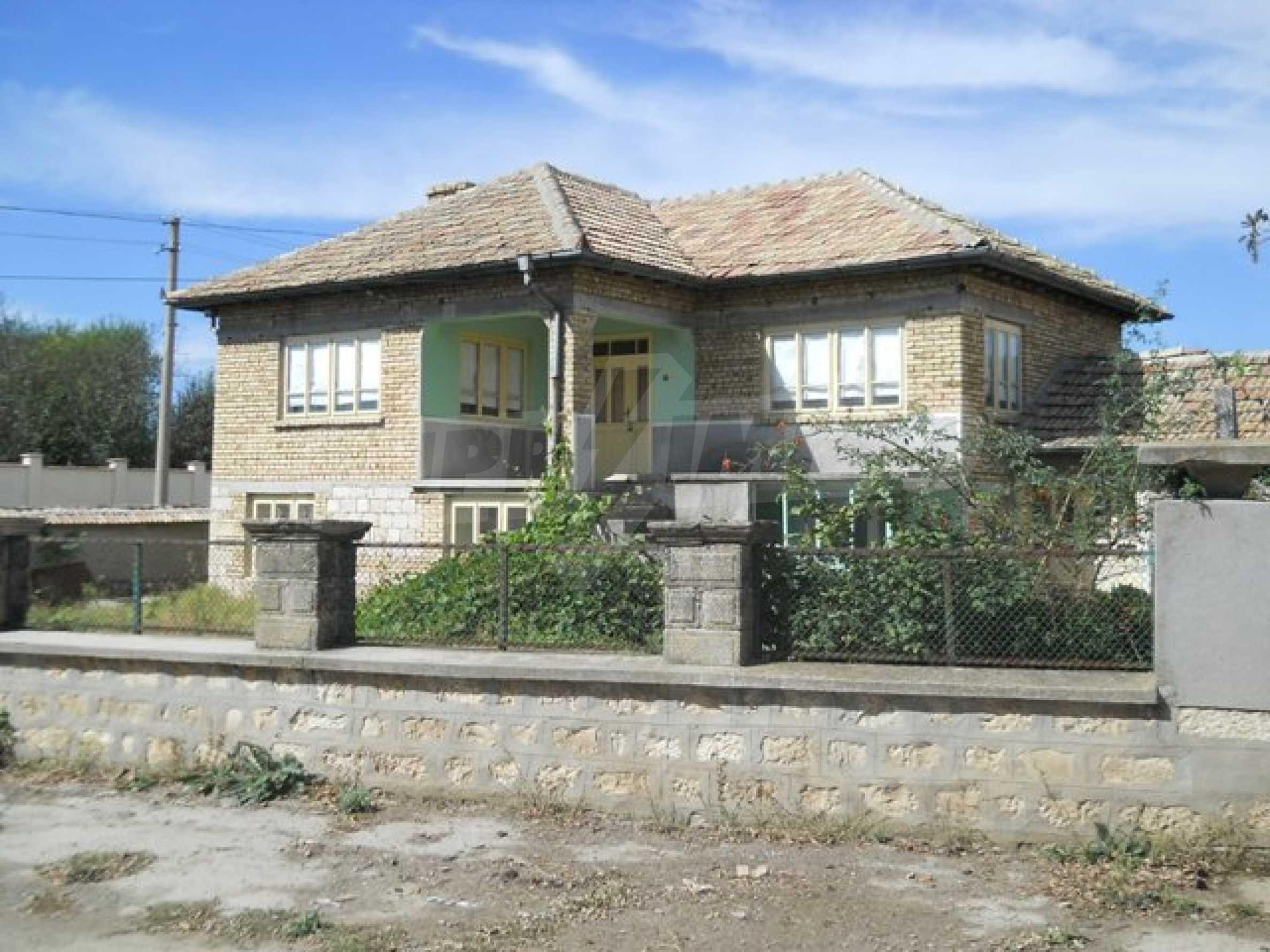 Къща продава близо до Варна 2