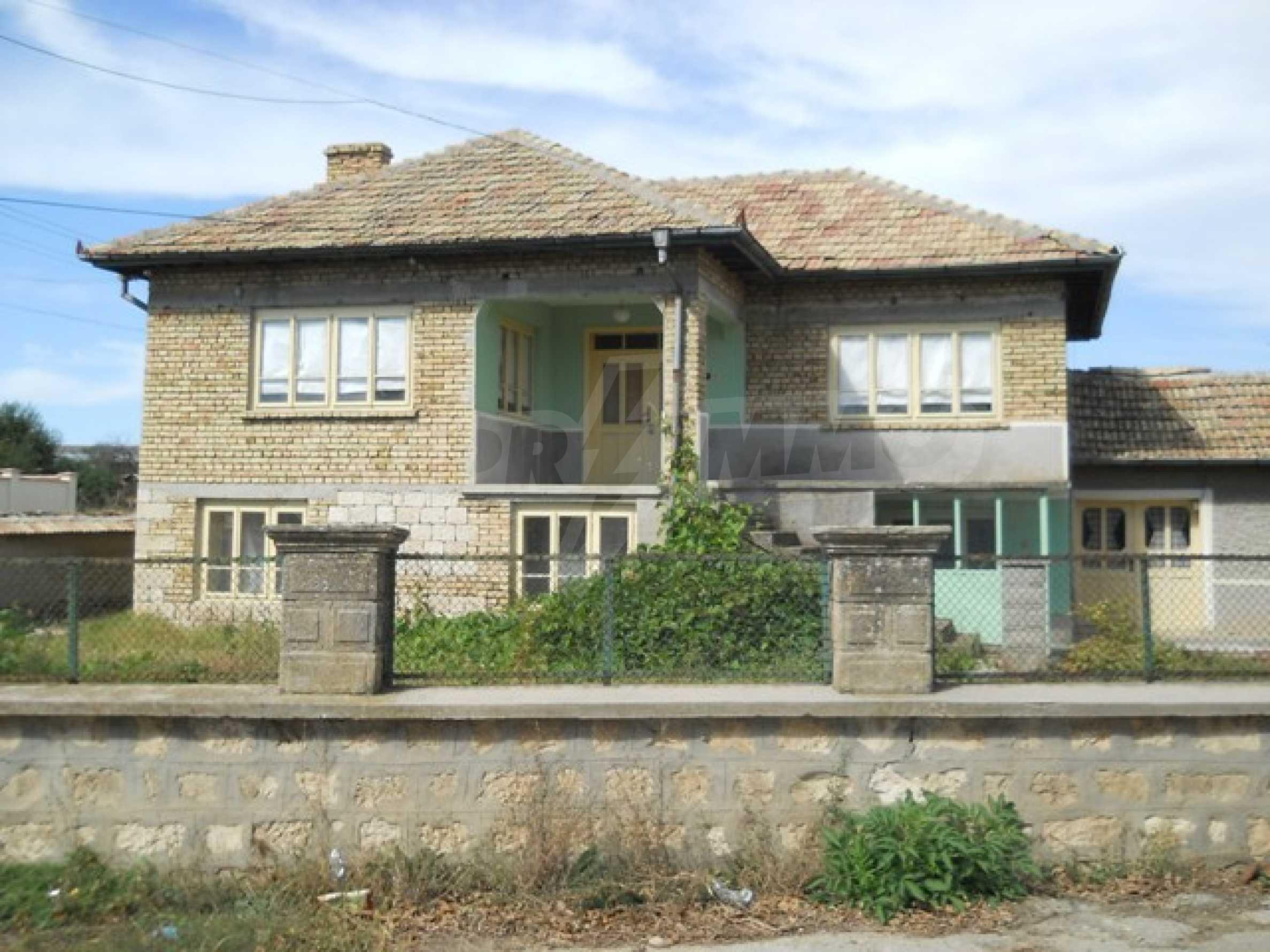 Къща продава близо до Варна 3