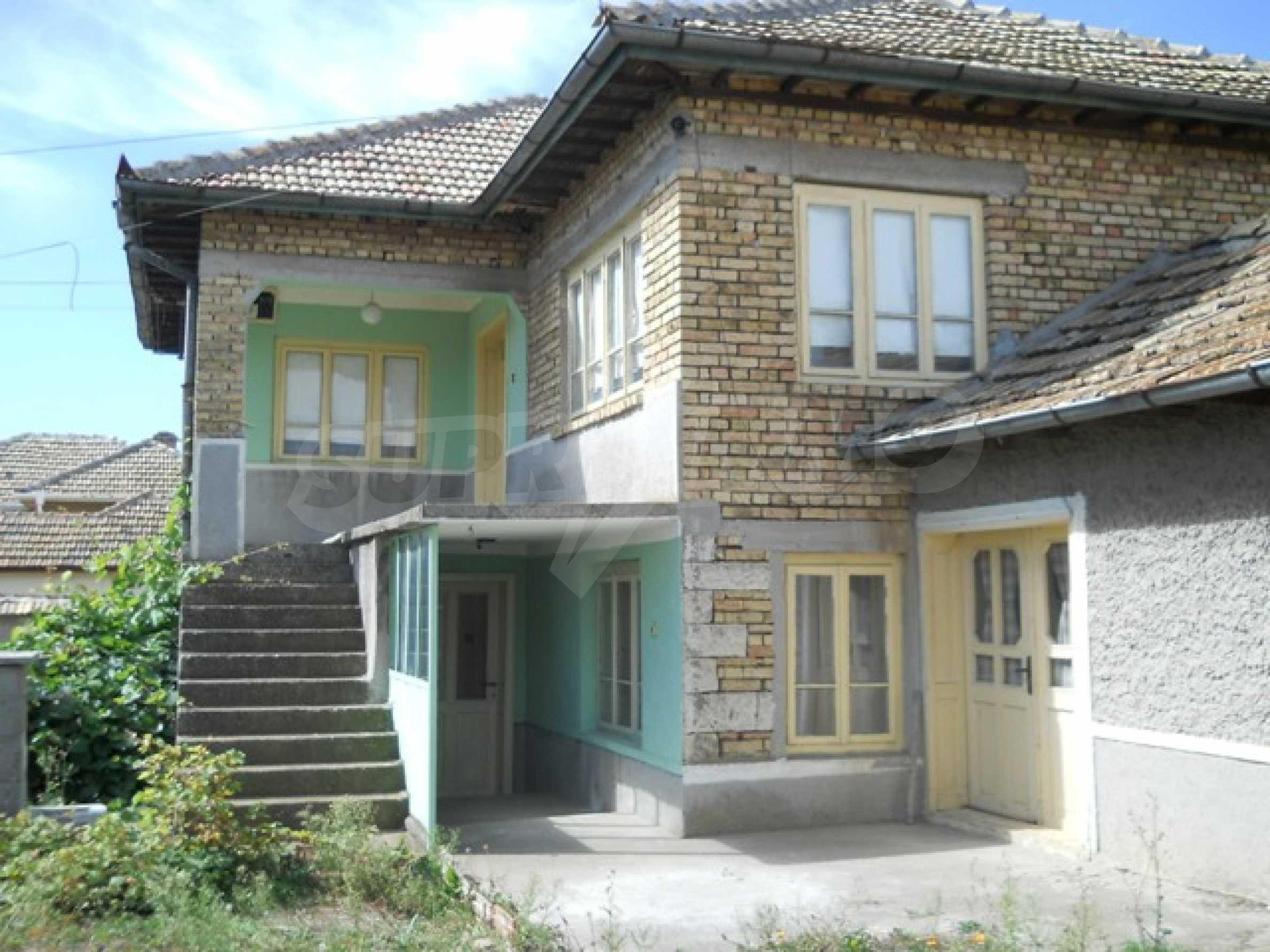 Къща продава близо до Варна 4