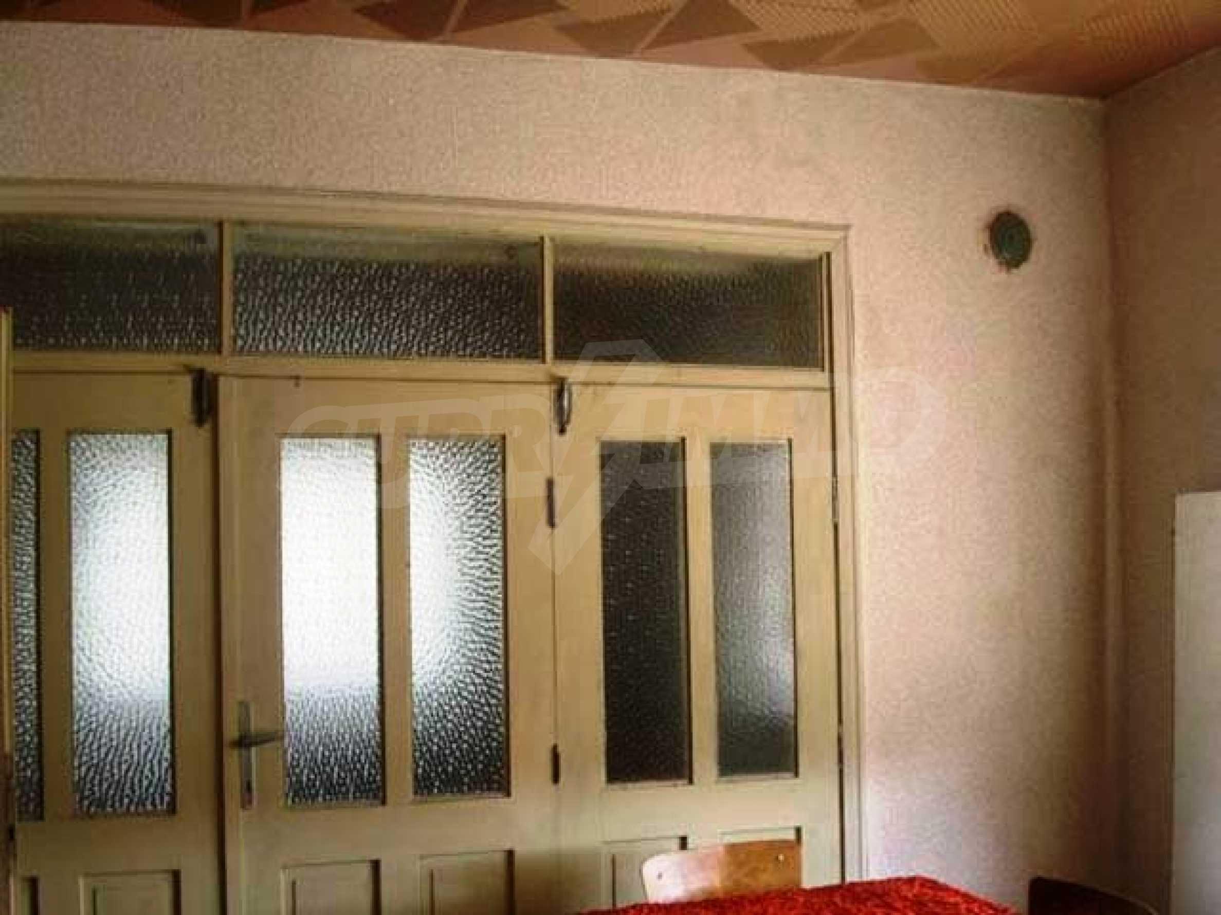 Къща продава близо до Варна 7