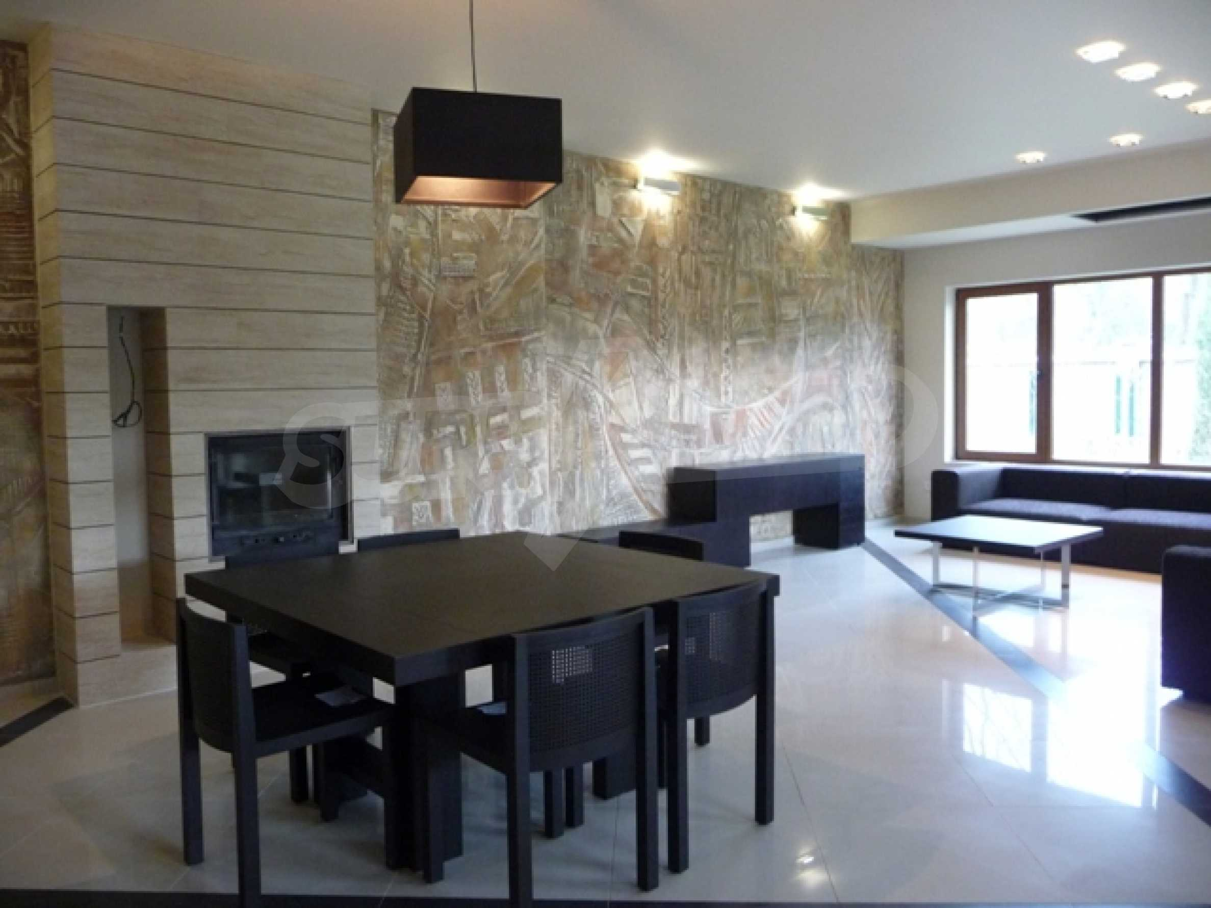 Еднофамилни двуетажни къщи в живописна зона между Варна и Златни пясъци 47