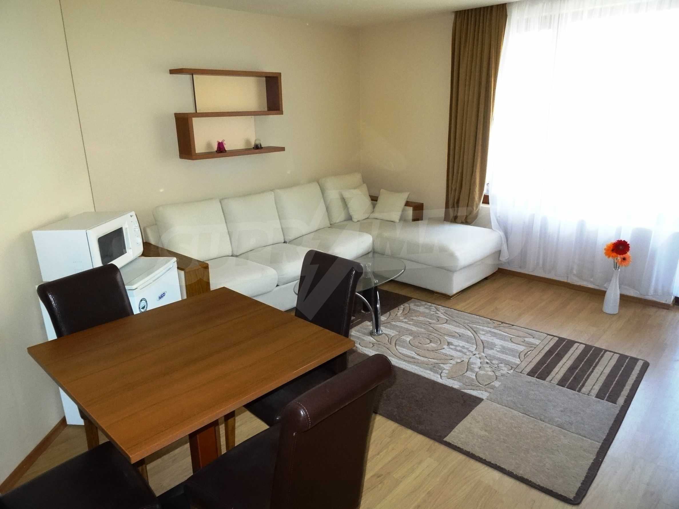 Fully furnished 1-bedroom apartment in Golden Sands, first-line from the sea 2