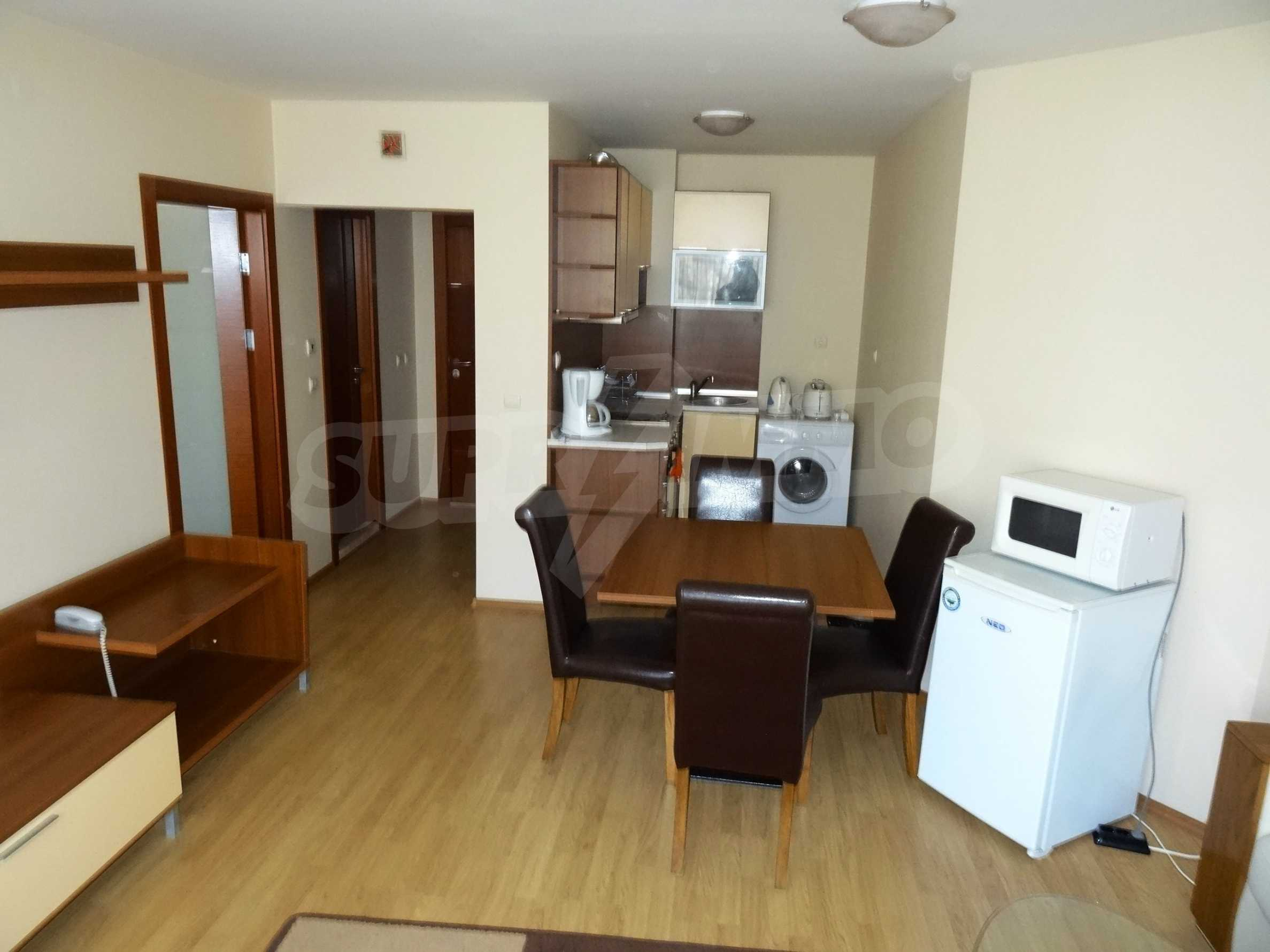 Fully furnished 1-bedroom apartment in Golden Sands, first-line from the sea 4