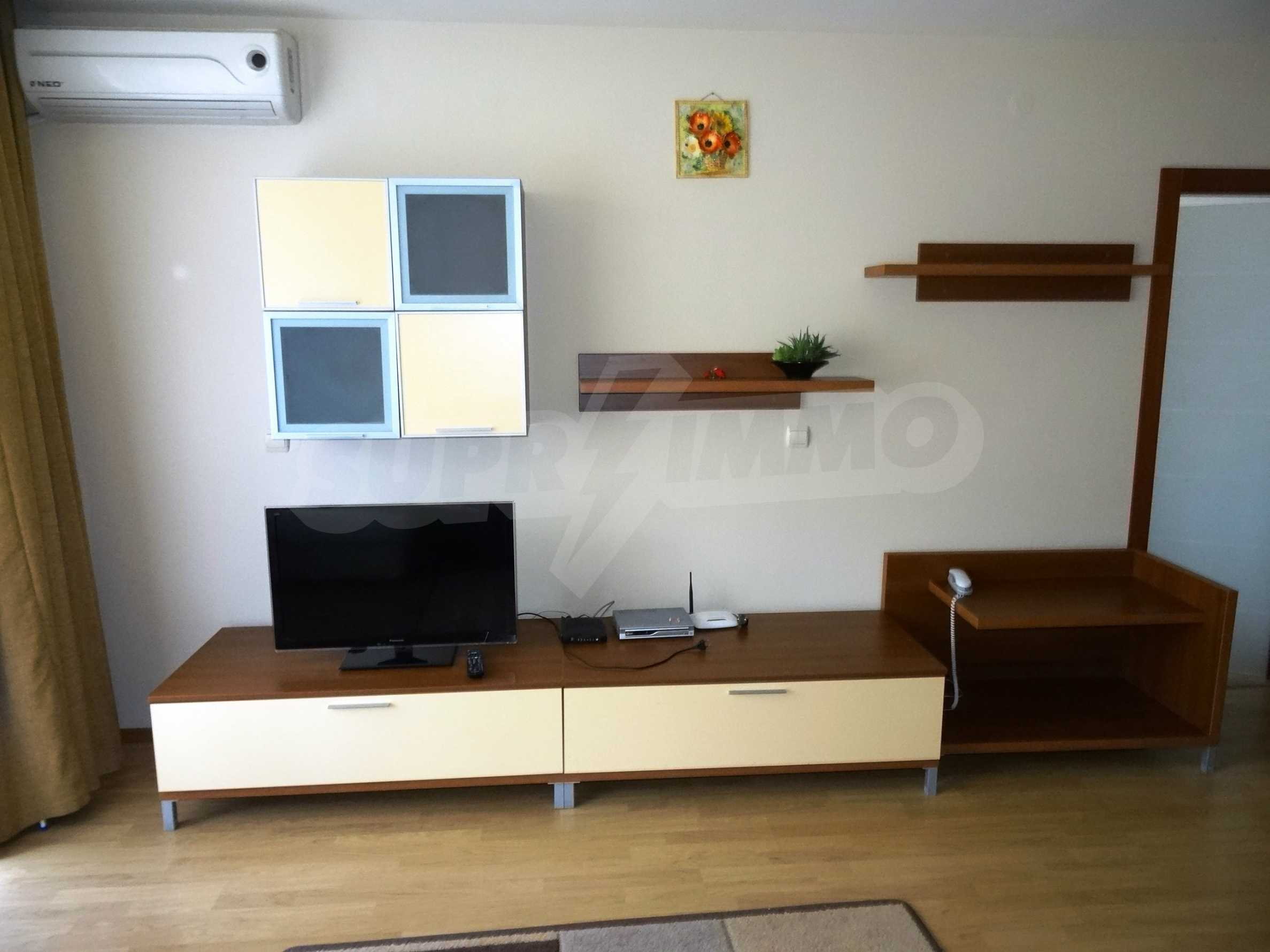 Fully furnished 1-bedroom apartment in Golden Sands, first-line from the sea 8