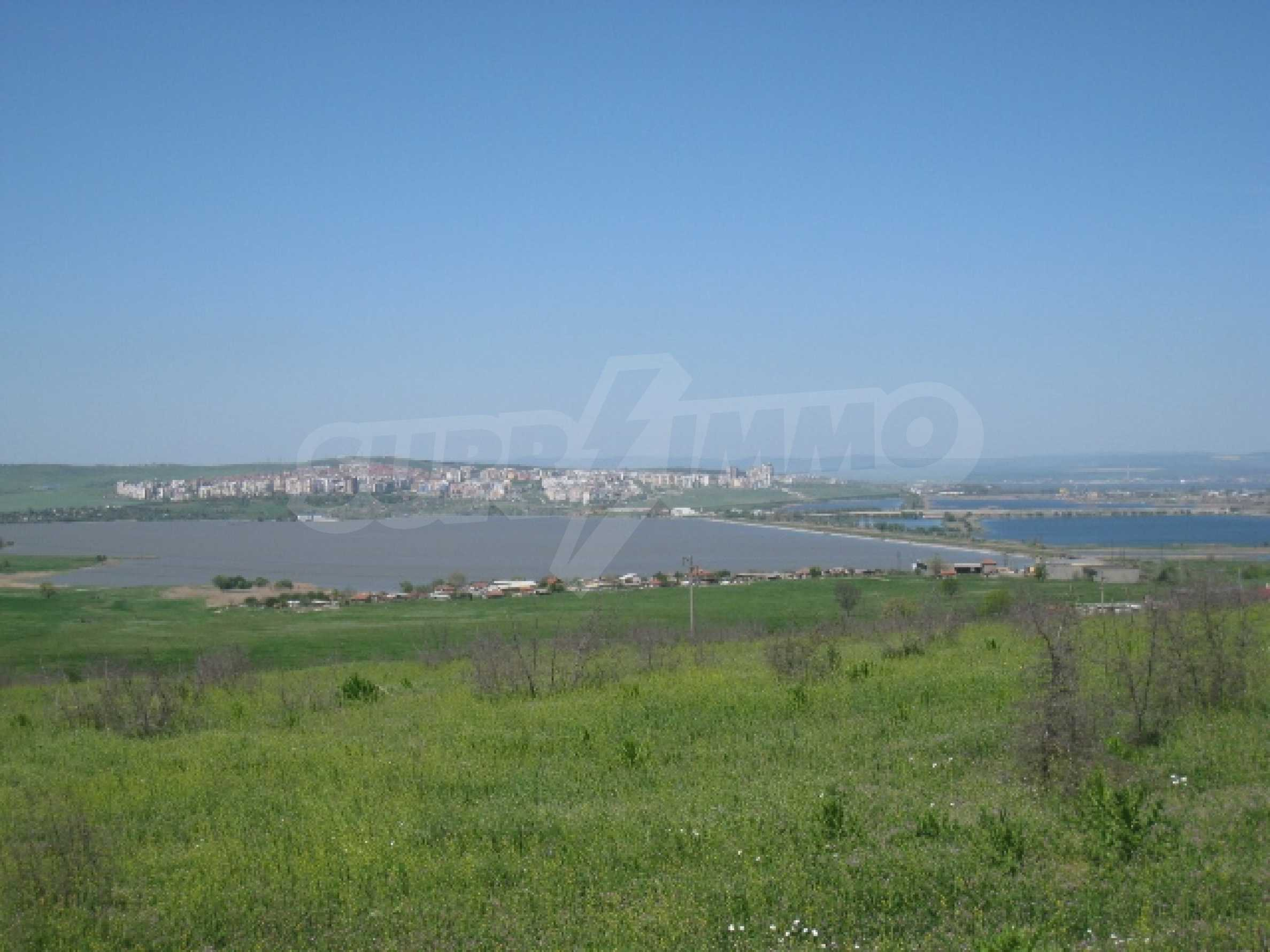 Land in area near Burgas 2