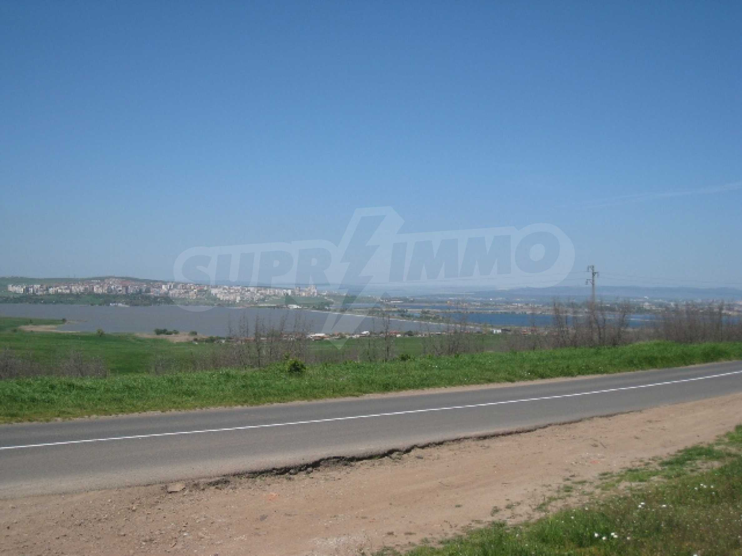 Land in area near Burgas 3