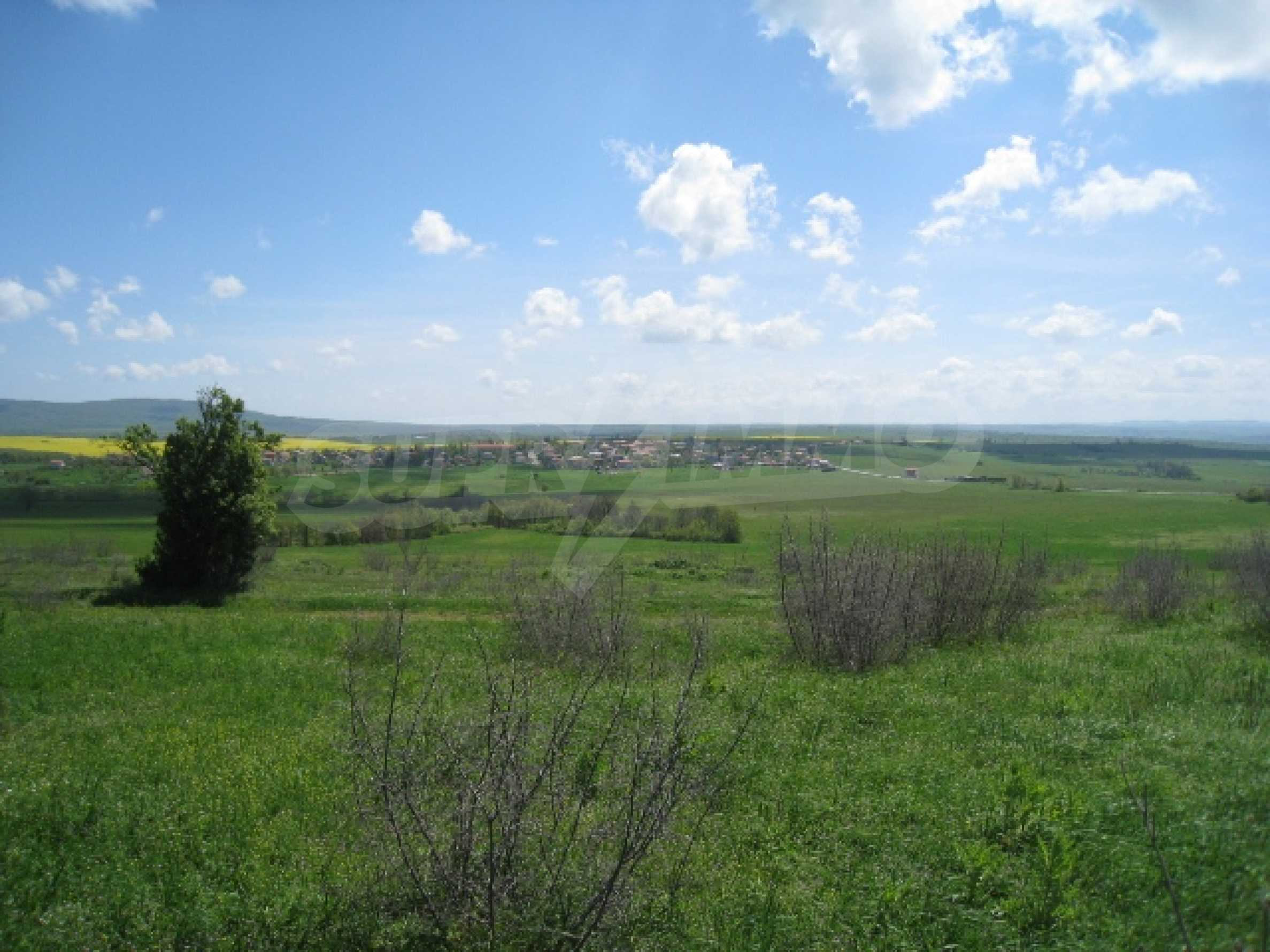 Land in area near Burgas 4