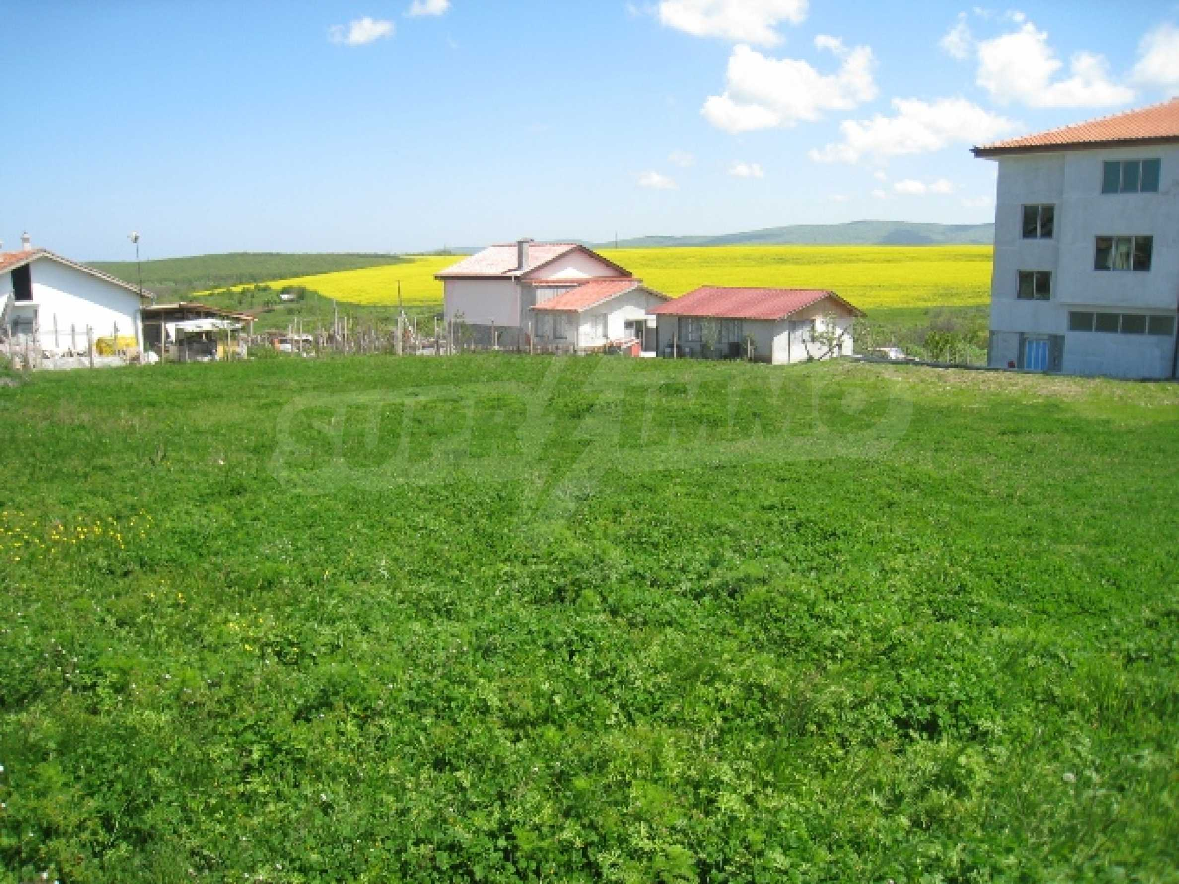 Land in area near Burgas 7