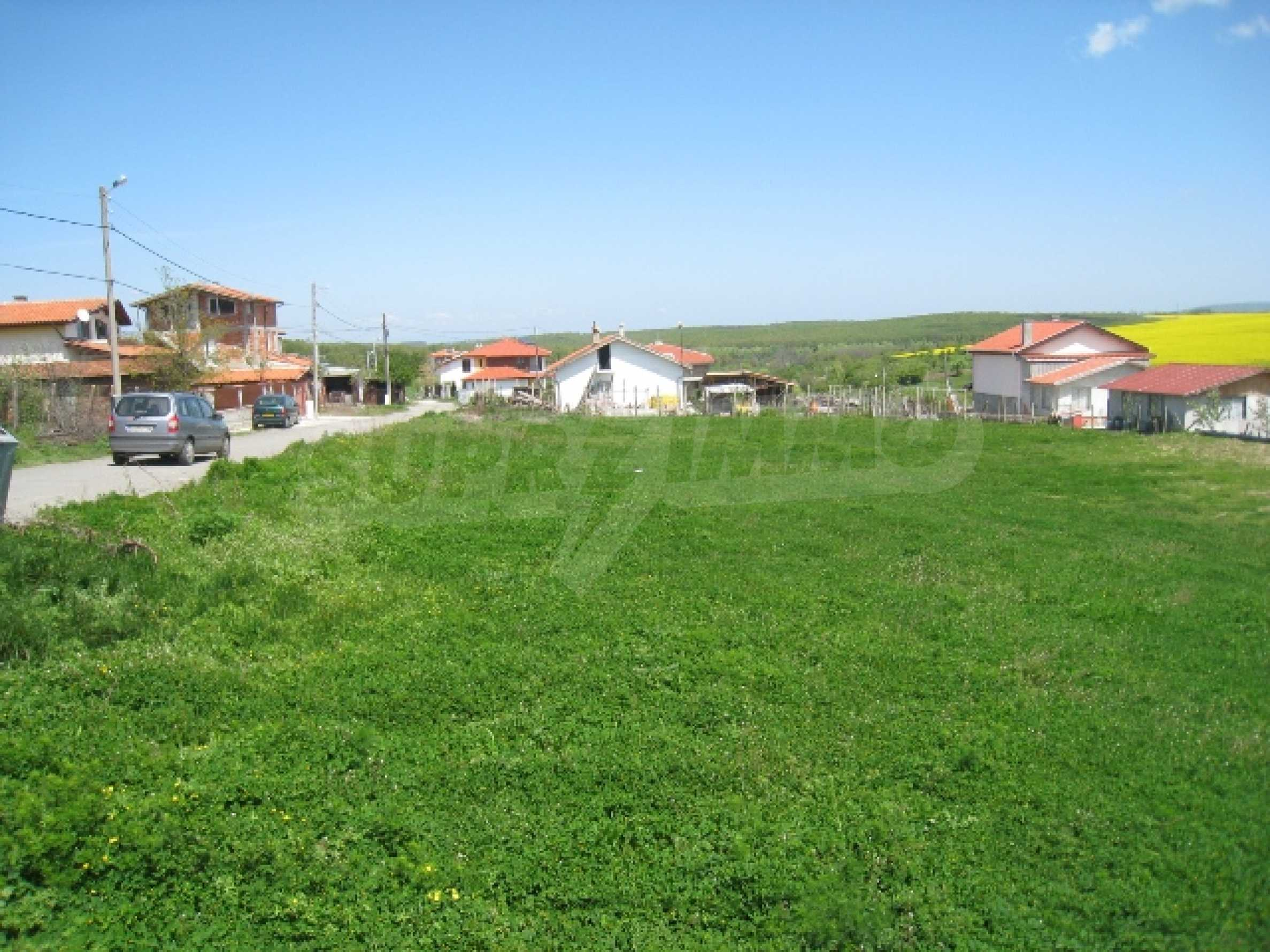 Land in area near Burgas 8