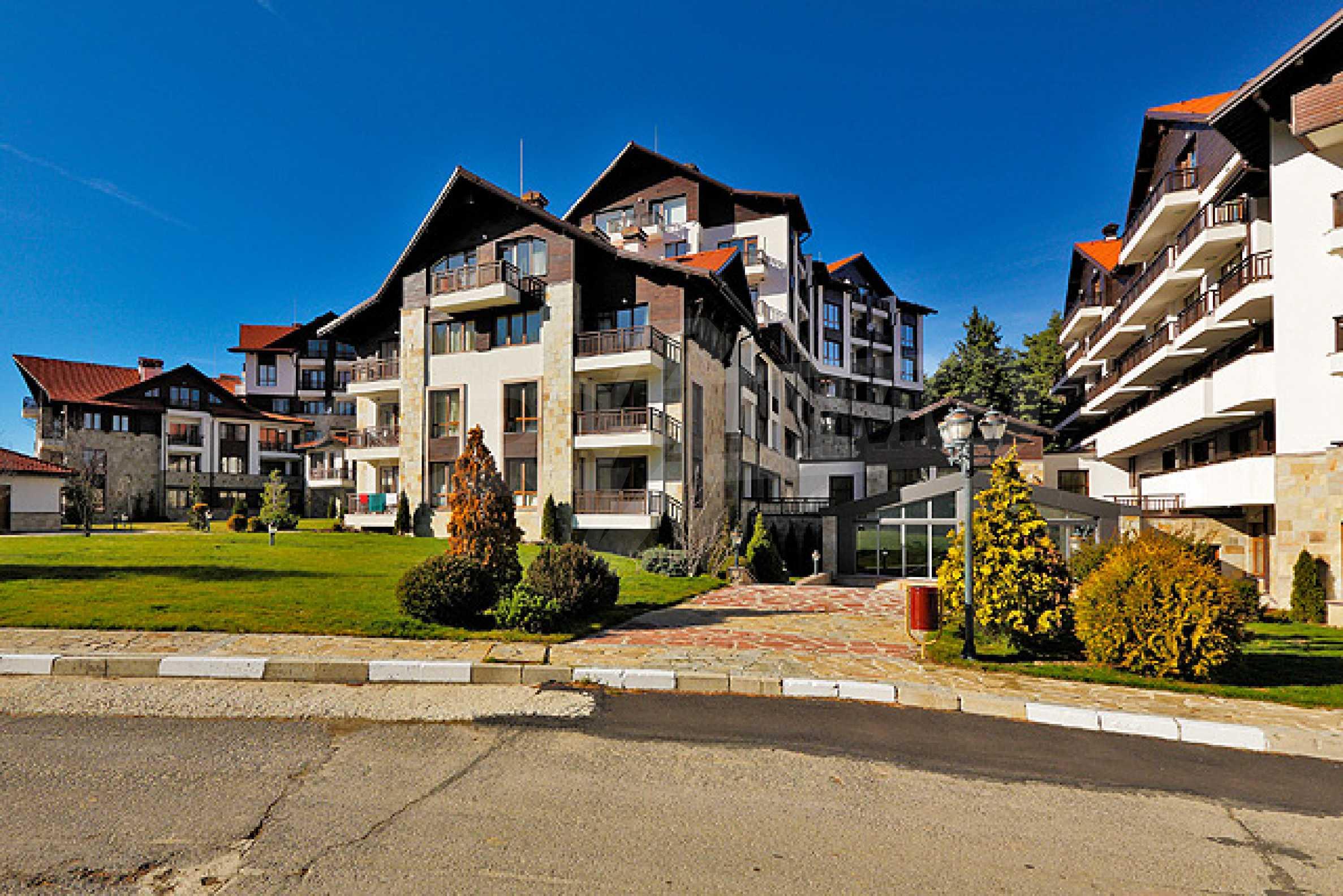 Първокласни апартаменти за продажба на метри от писта Ястребец в Боровец 2