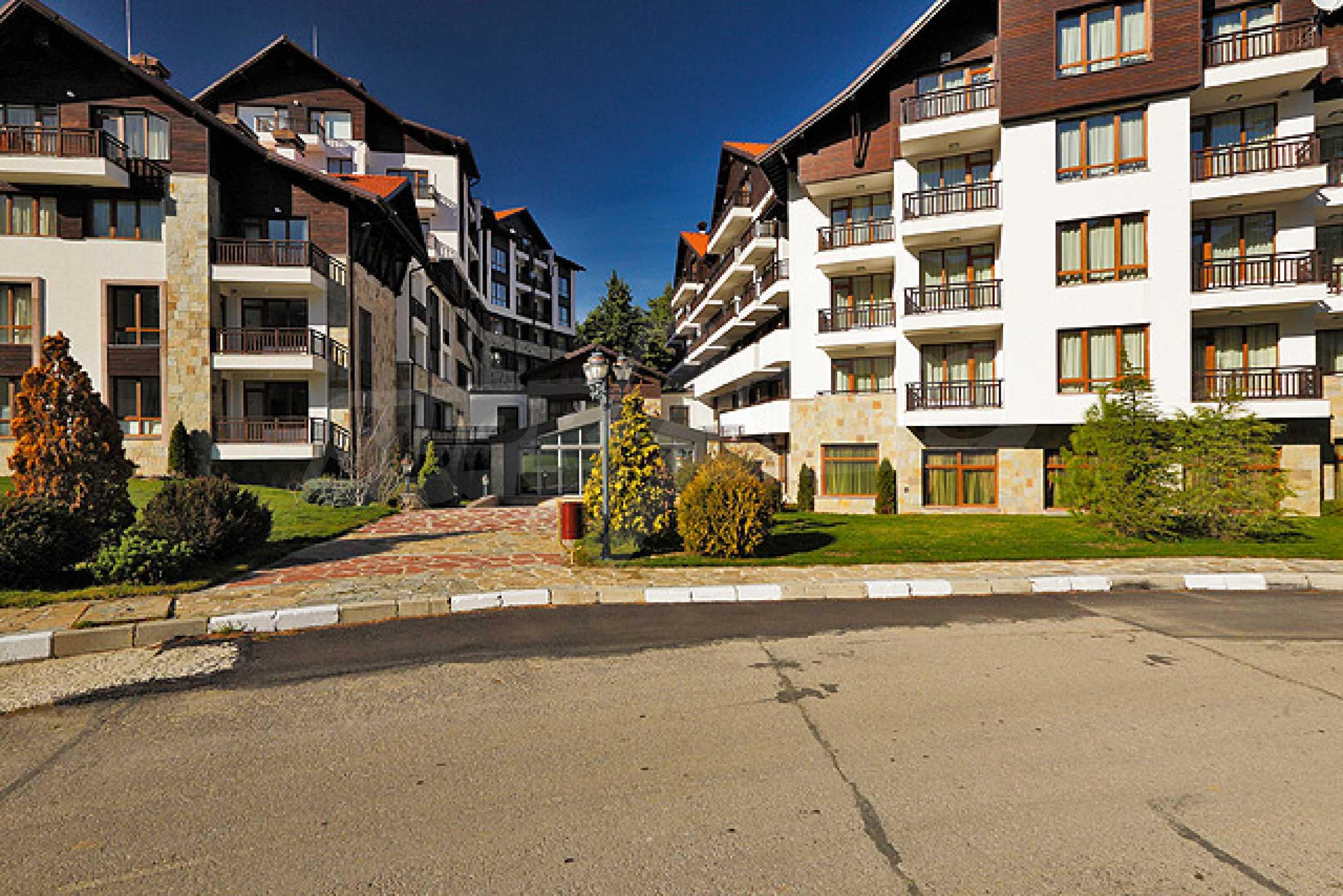 Първокласни апартаменти за продажба на метри от писта Ястребец в Боровец 3