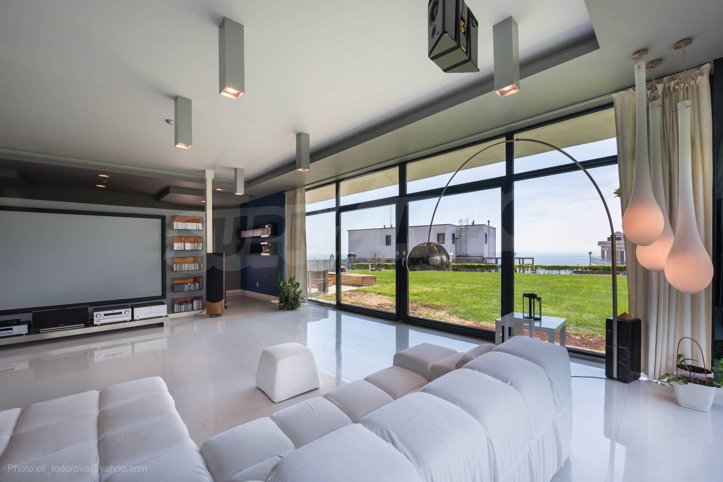 Луксозна къща с неповторима морска панорама  4