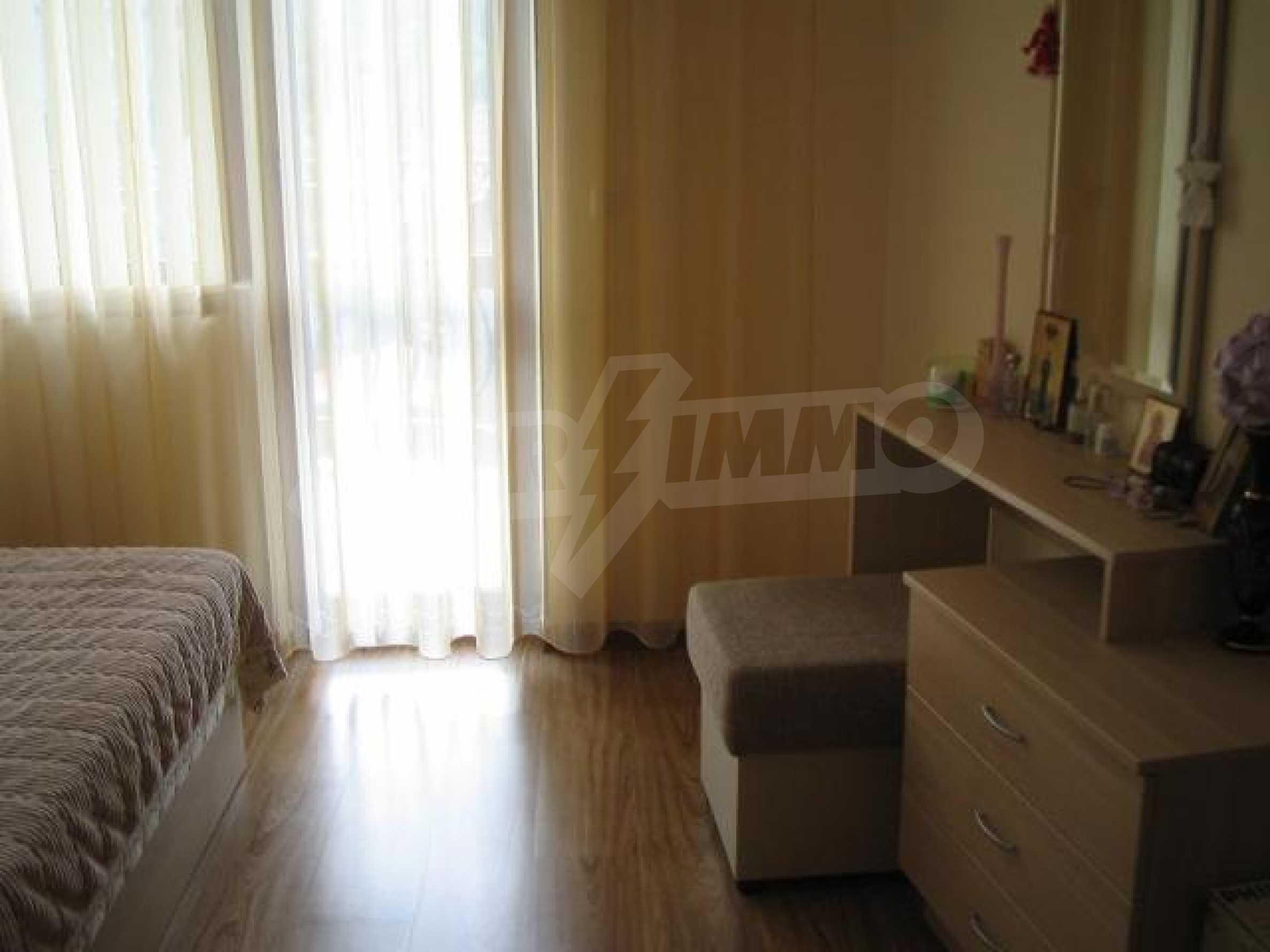 Апартамент Людмила 9