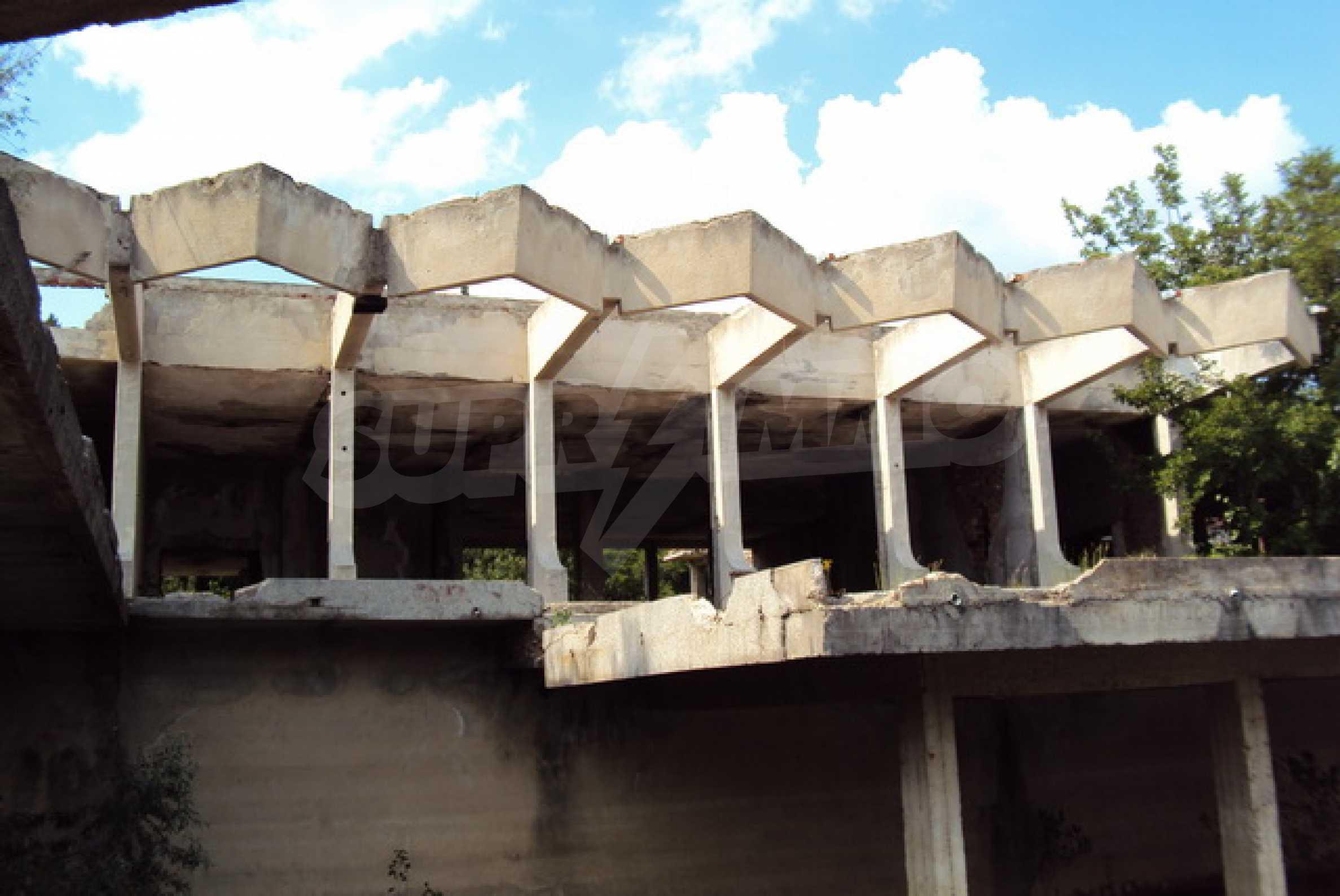 Продажа отеля/комплекса вблизи г. Велико Тырново 2