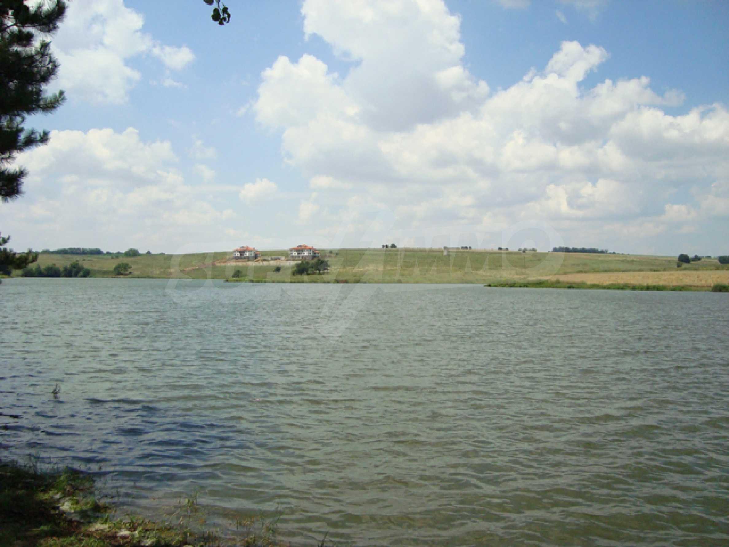 Chalet am Ufer des Nikolaevka-Damms 27