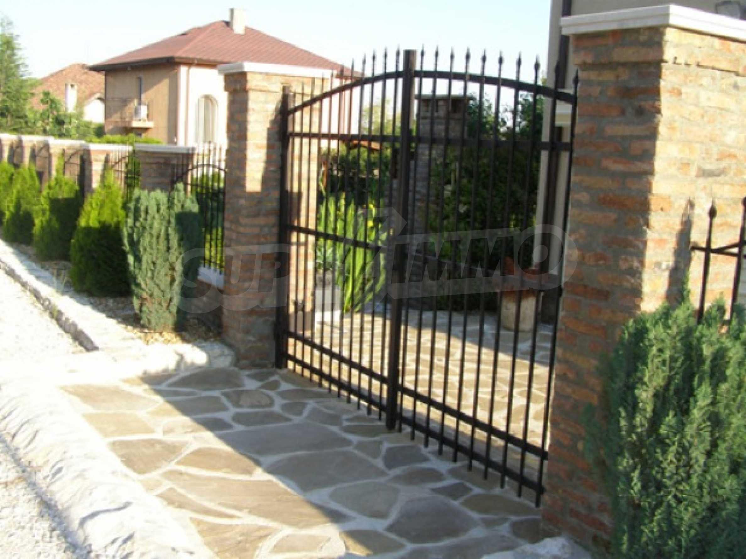 Изключителна еднофамилна къща край Варна 25