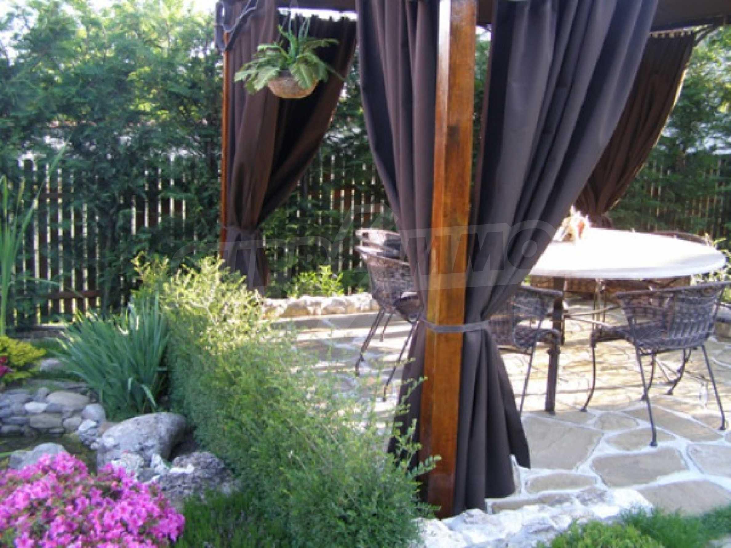 Изключителна еднофамилна къща край Варна 31