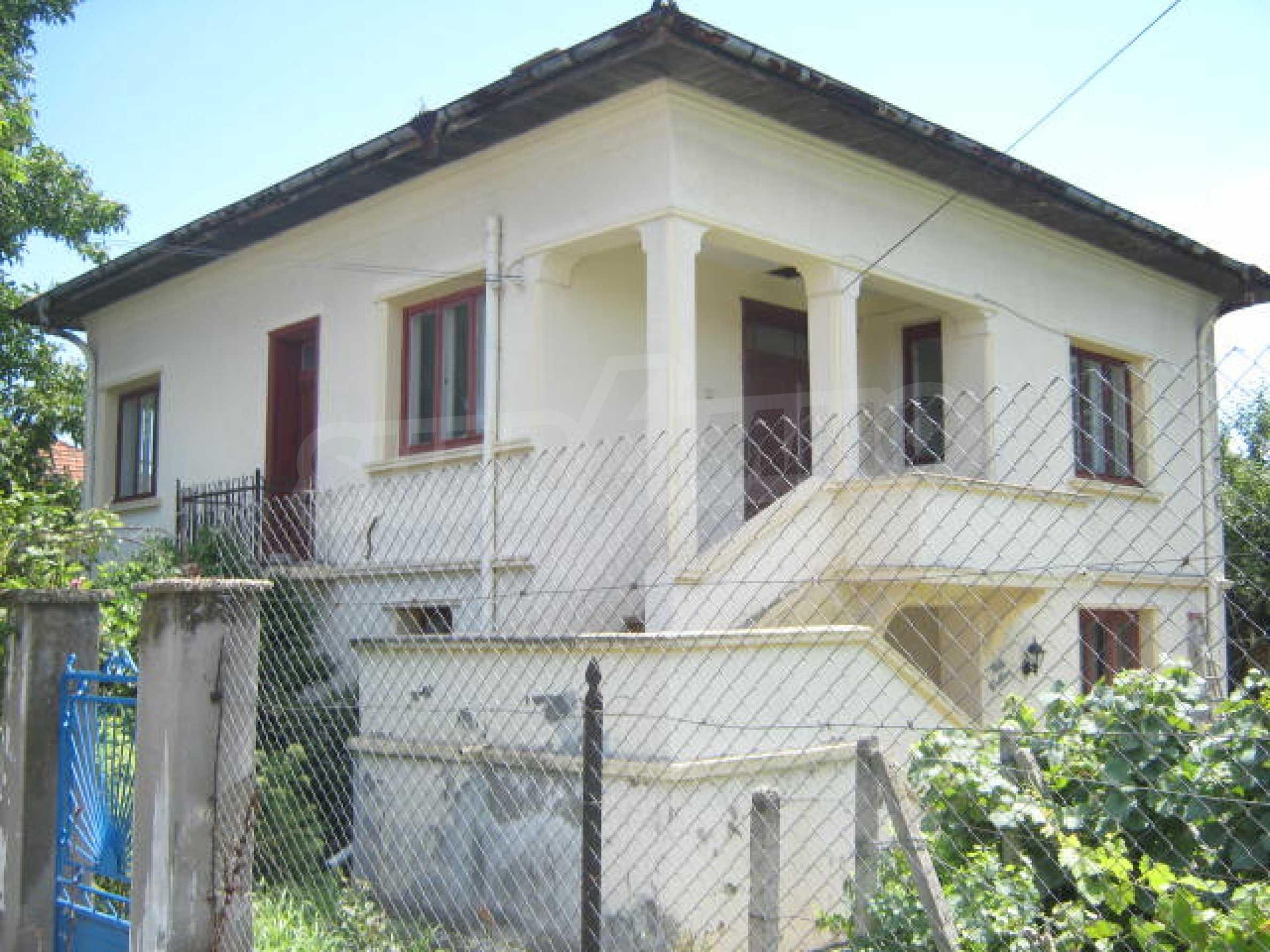 Zweistöckiges Haus neben der Stadt Widin zu verkaufen 1