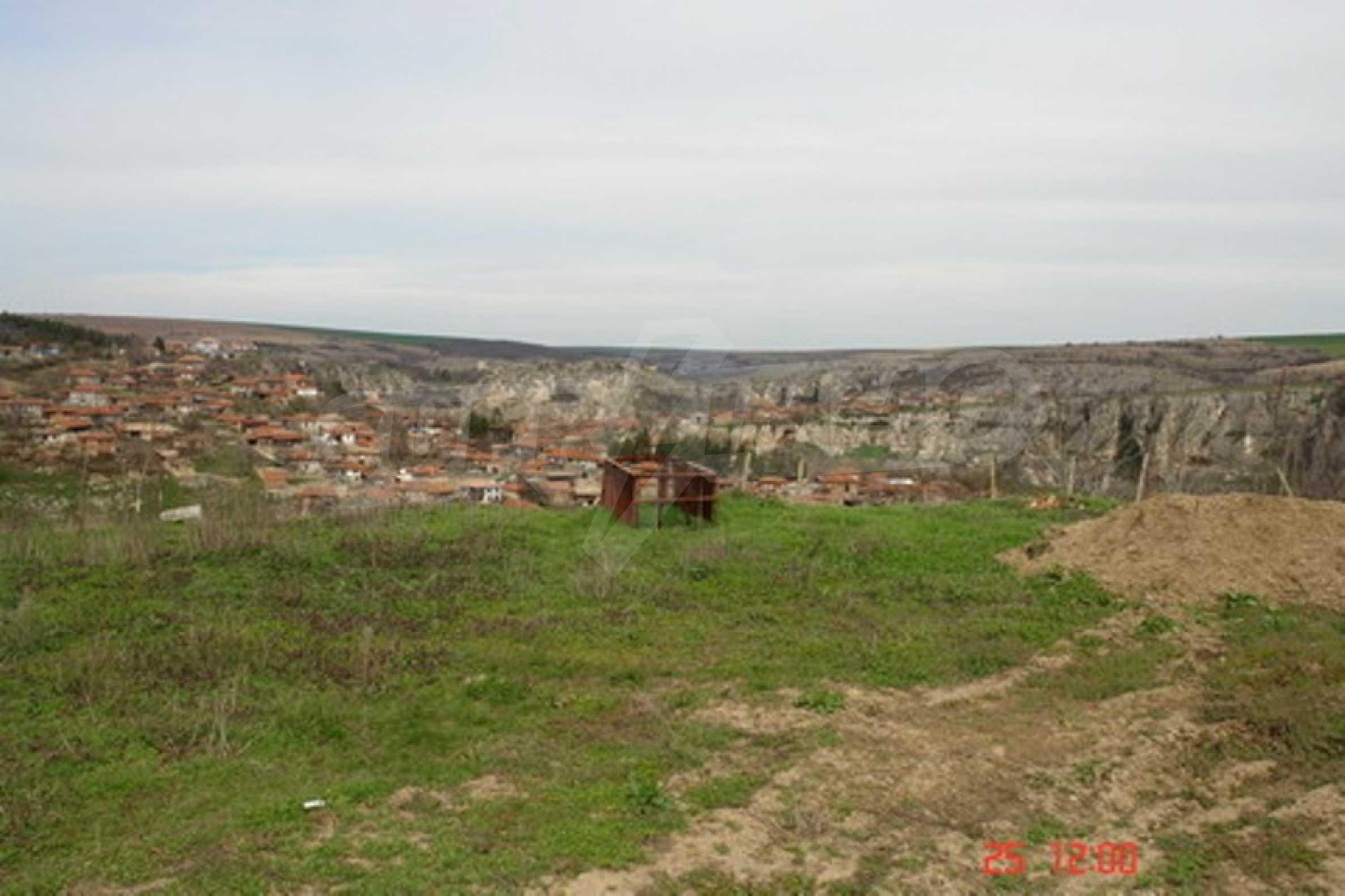 Development land in Cherven village 2