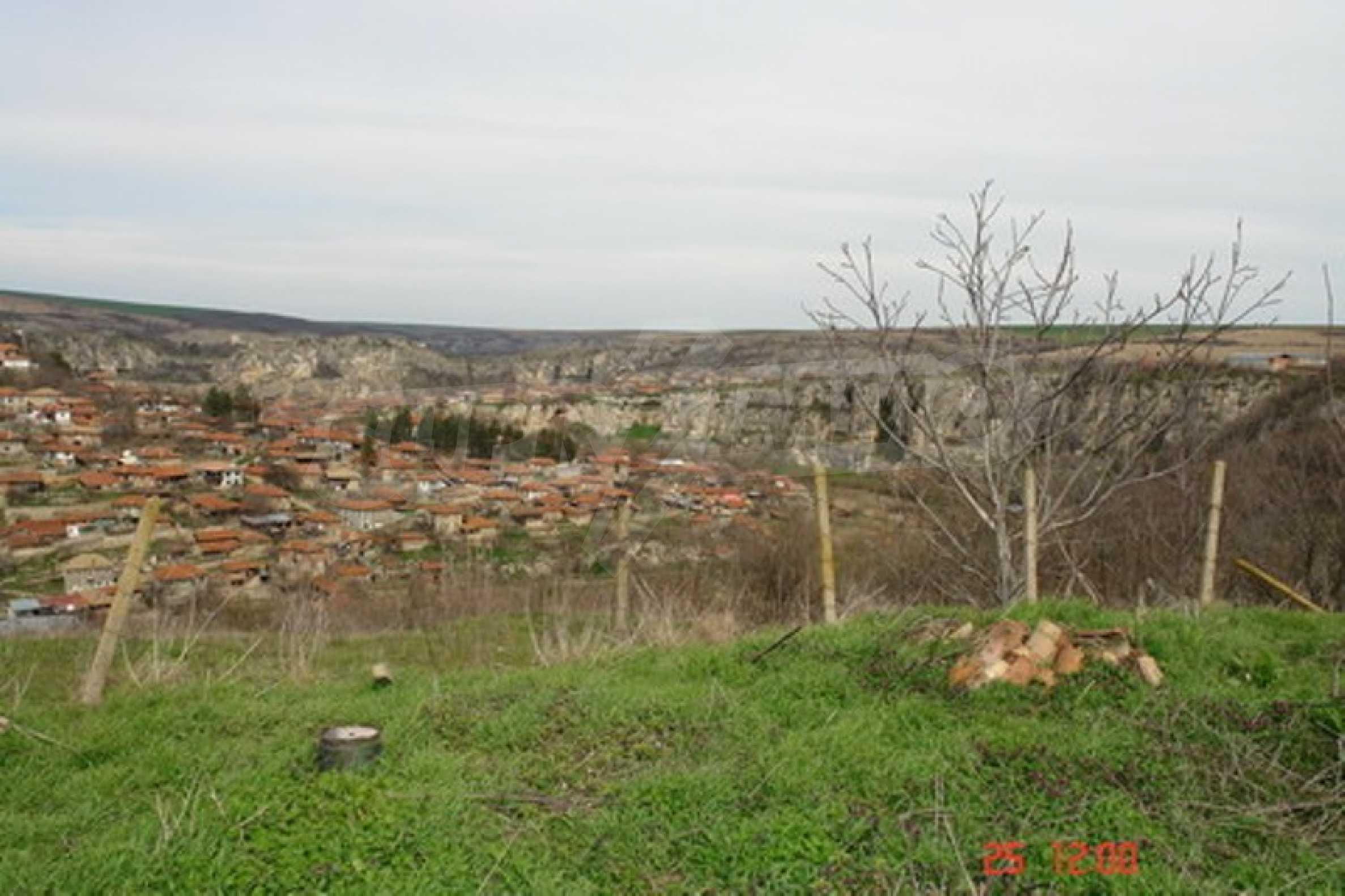 Development land in Cherven village 3