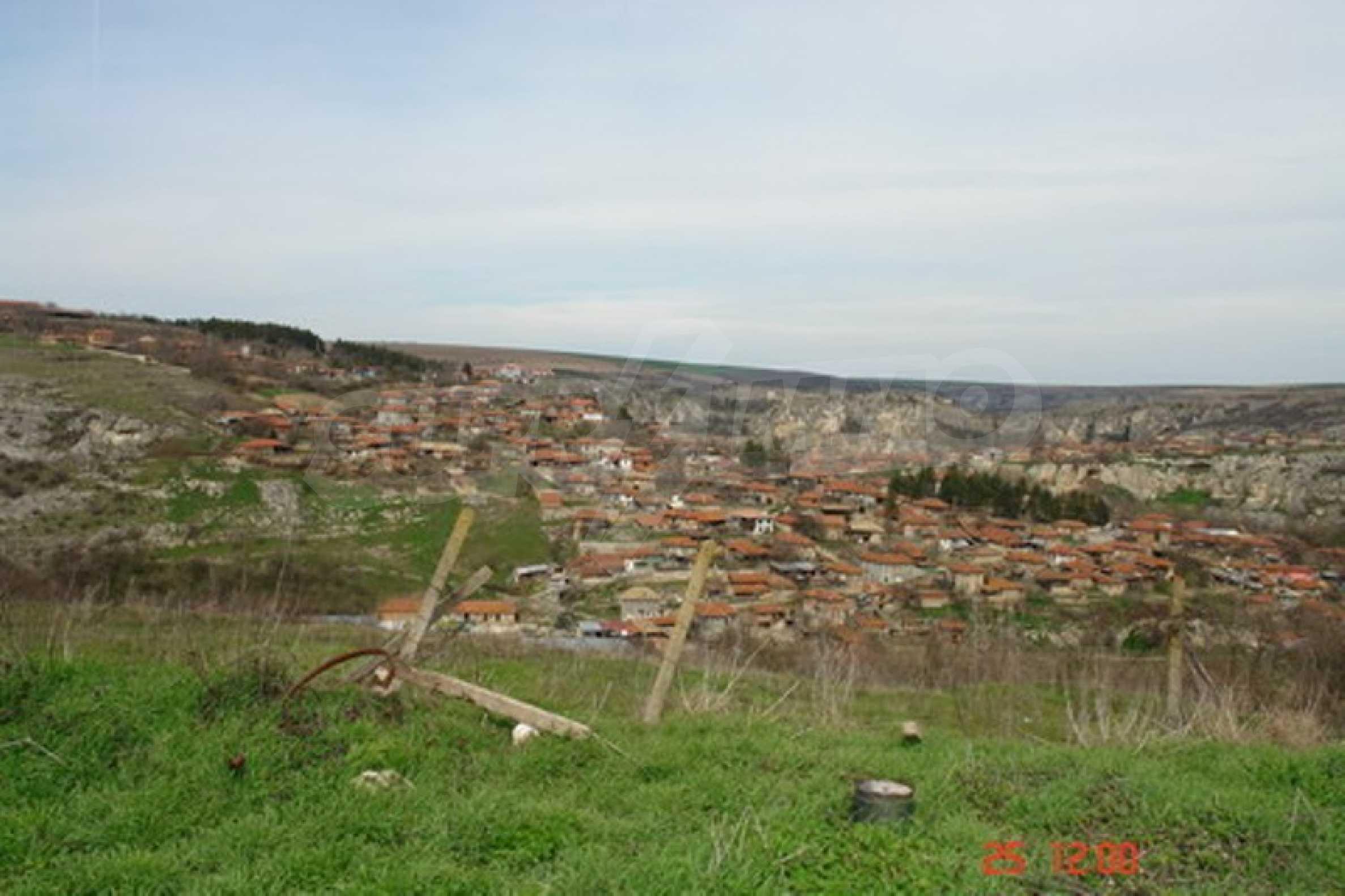 Development land in Cherven village 4