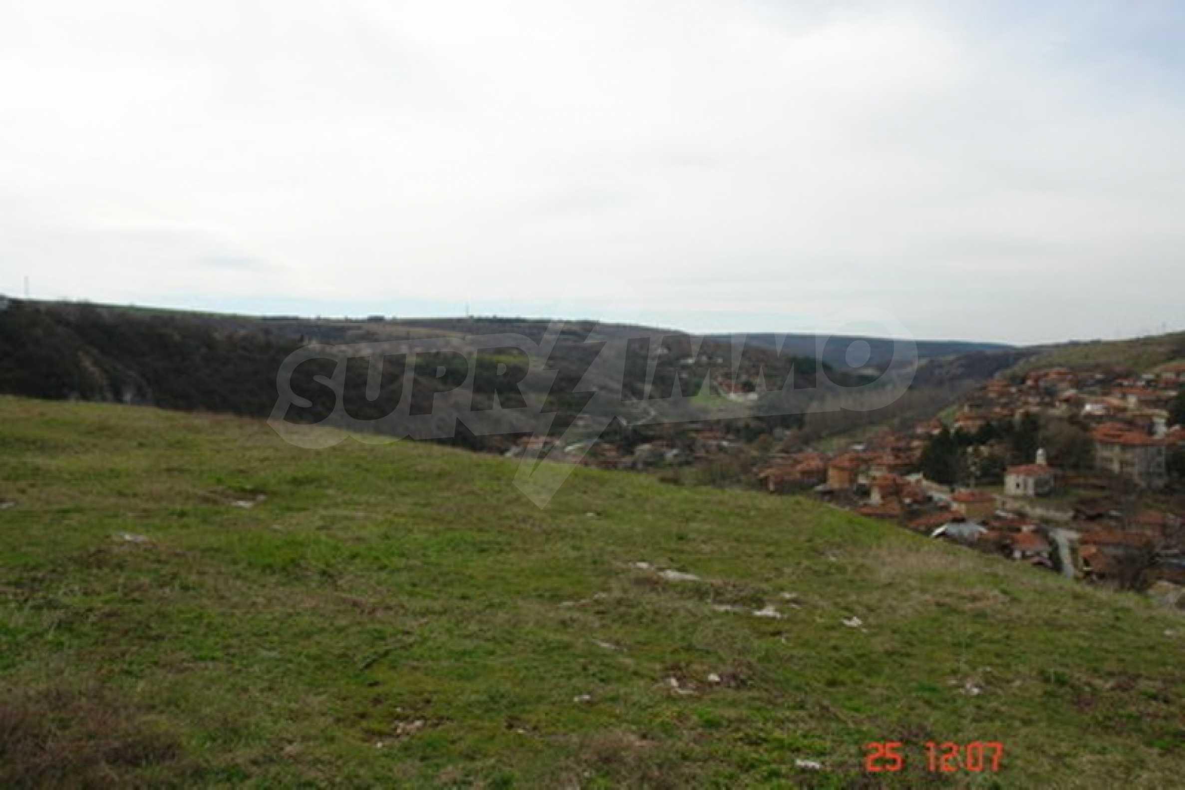 Development land in Cherven village 6