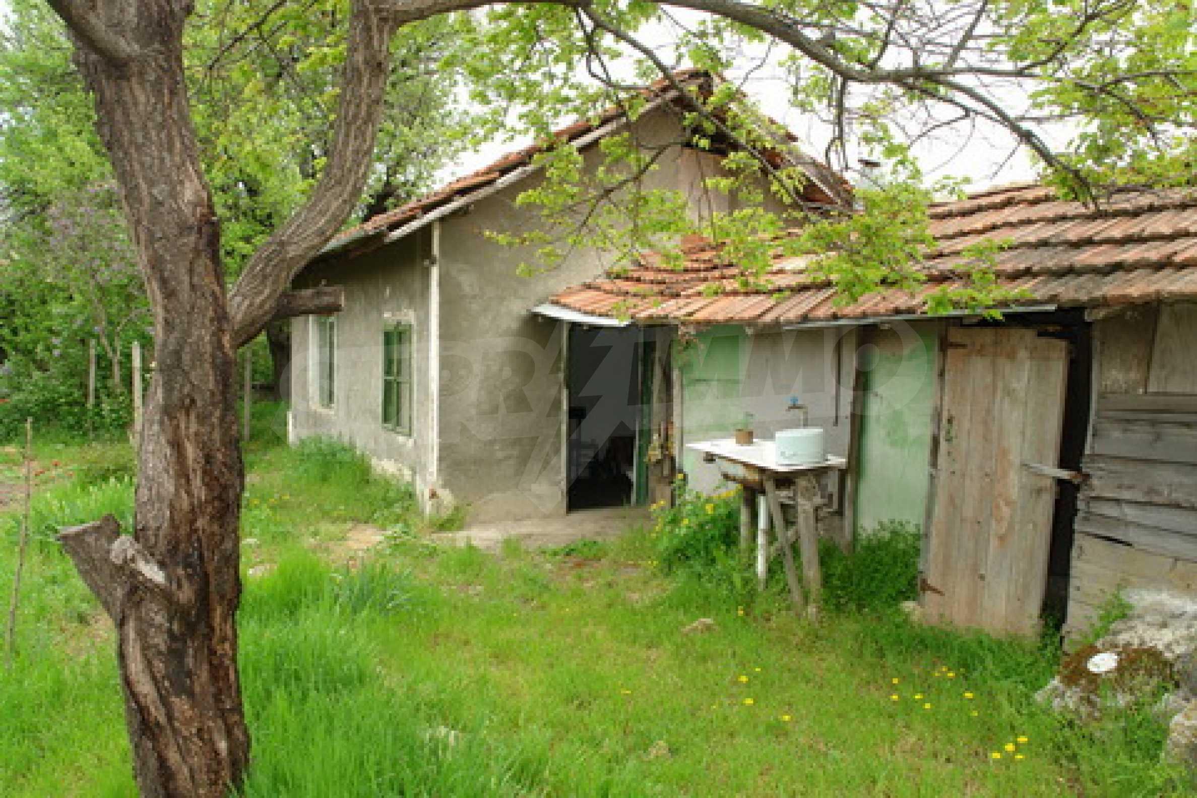 Къща на  главен път Русе-София 2