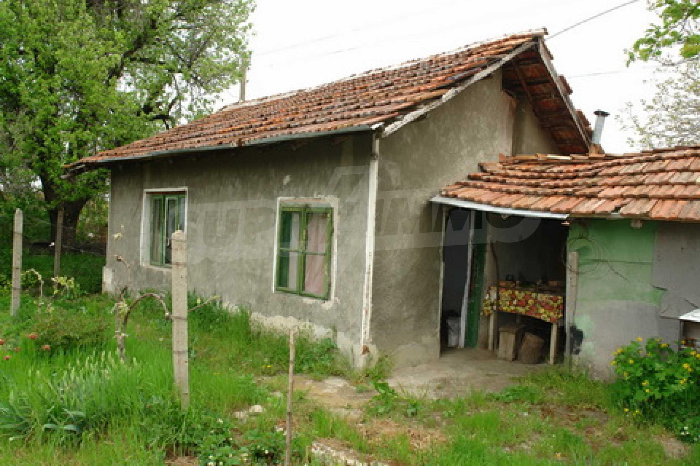 Къща на  главен път Русе-София 4