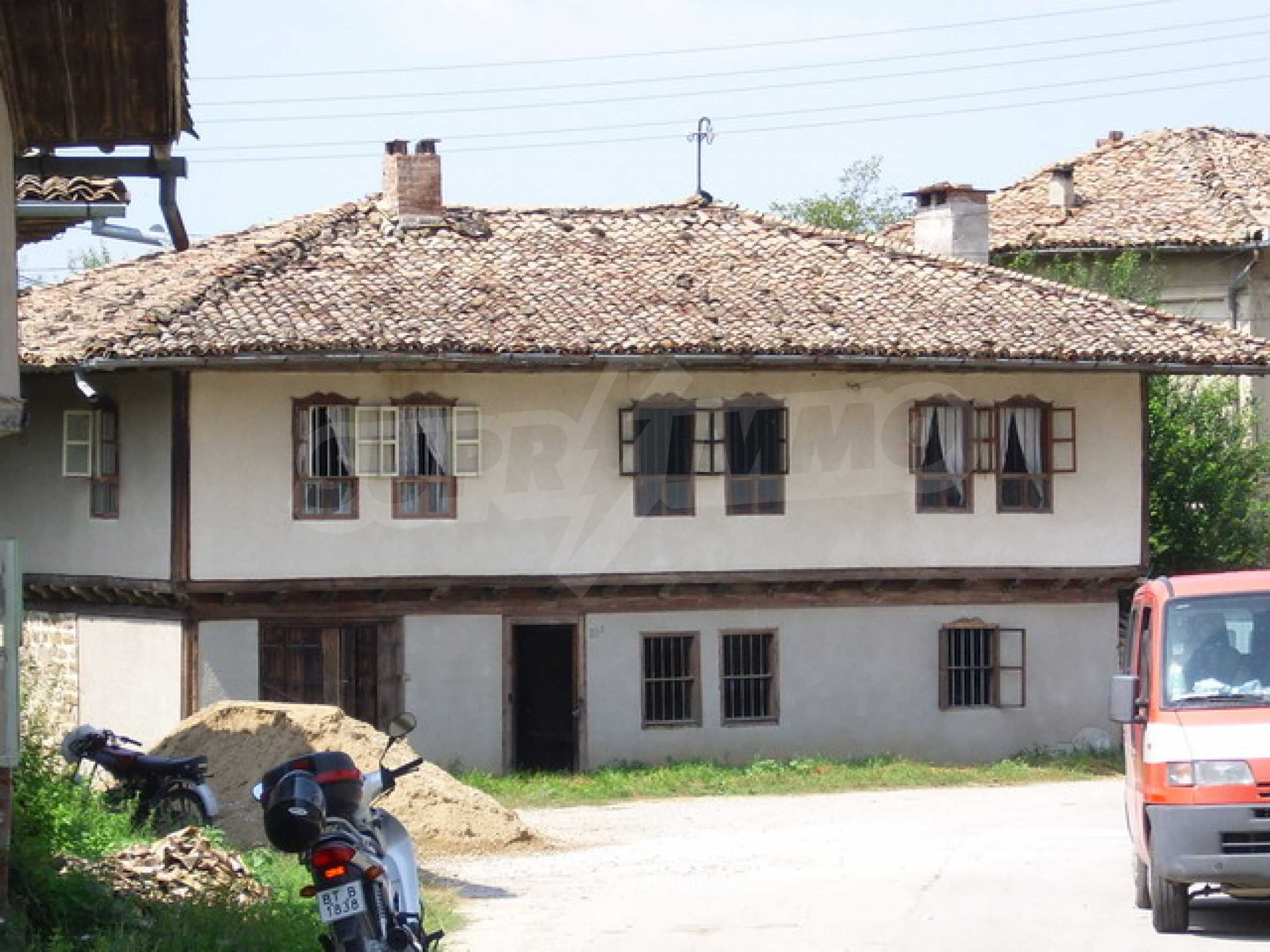 Traditional style house 2