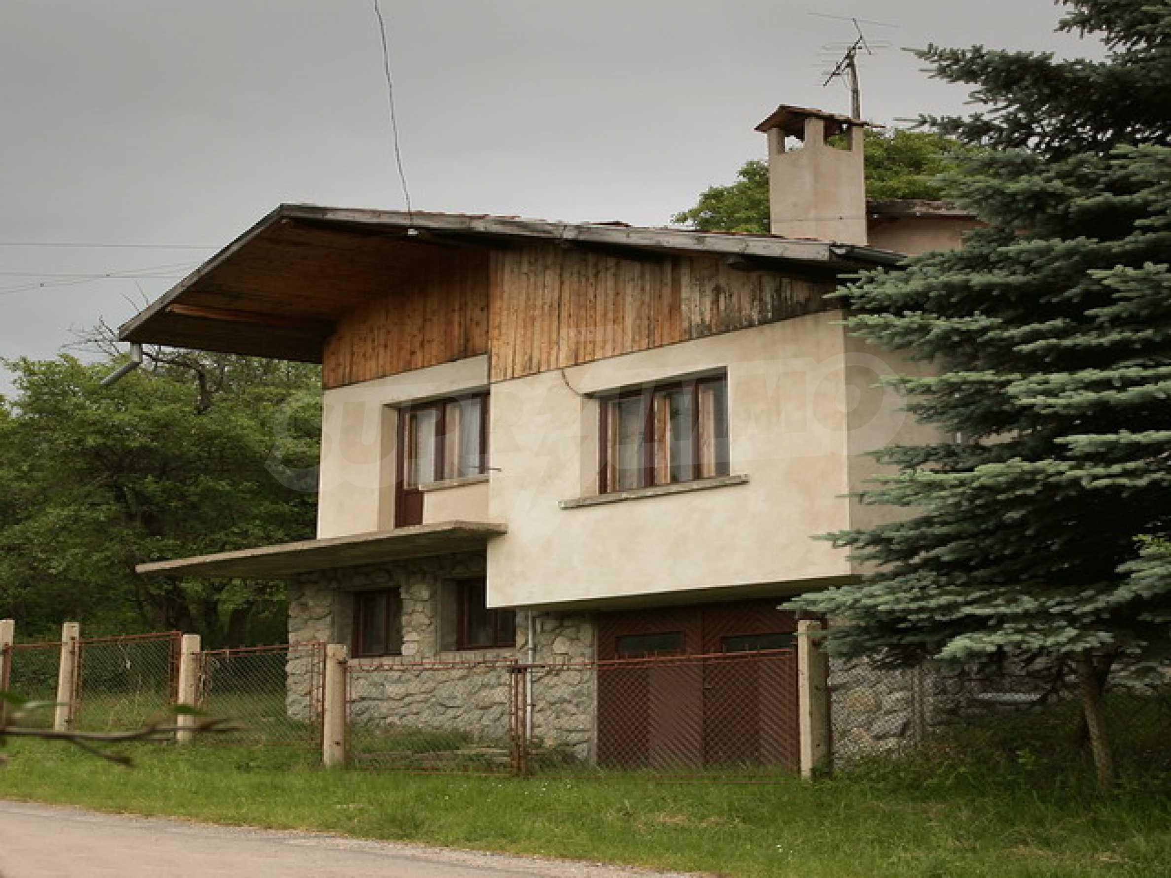 Продажа дома вблизи г. Троян 1