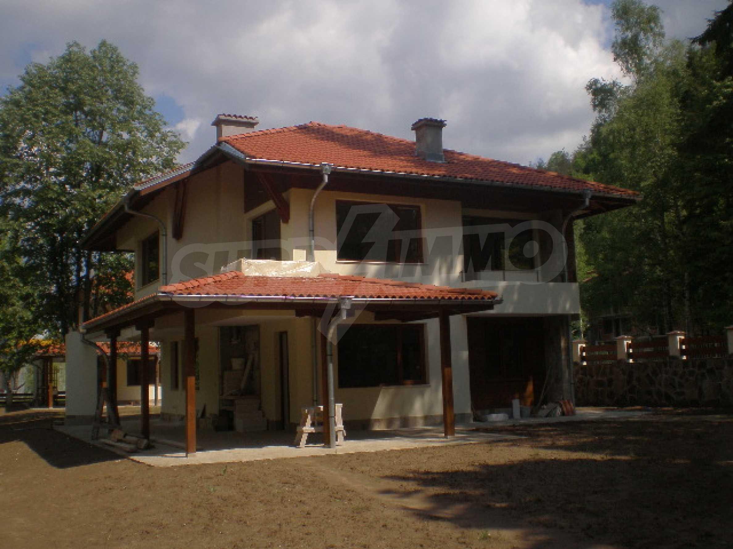 Продажа дома вблизи г. Ловеч 1