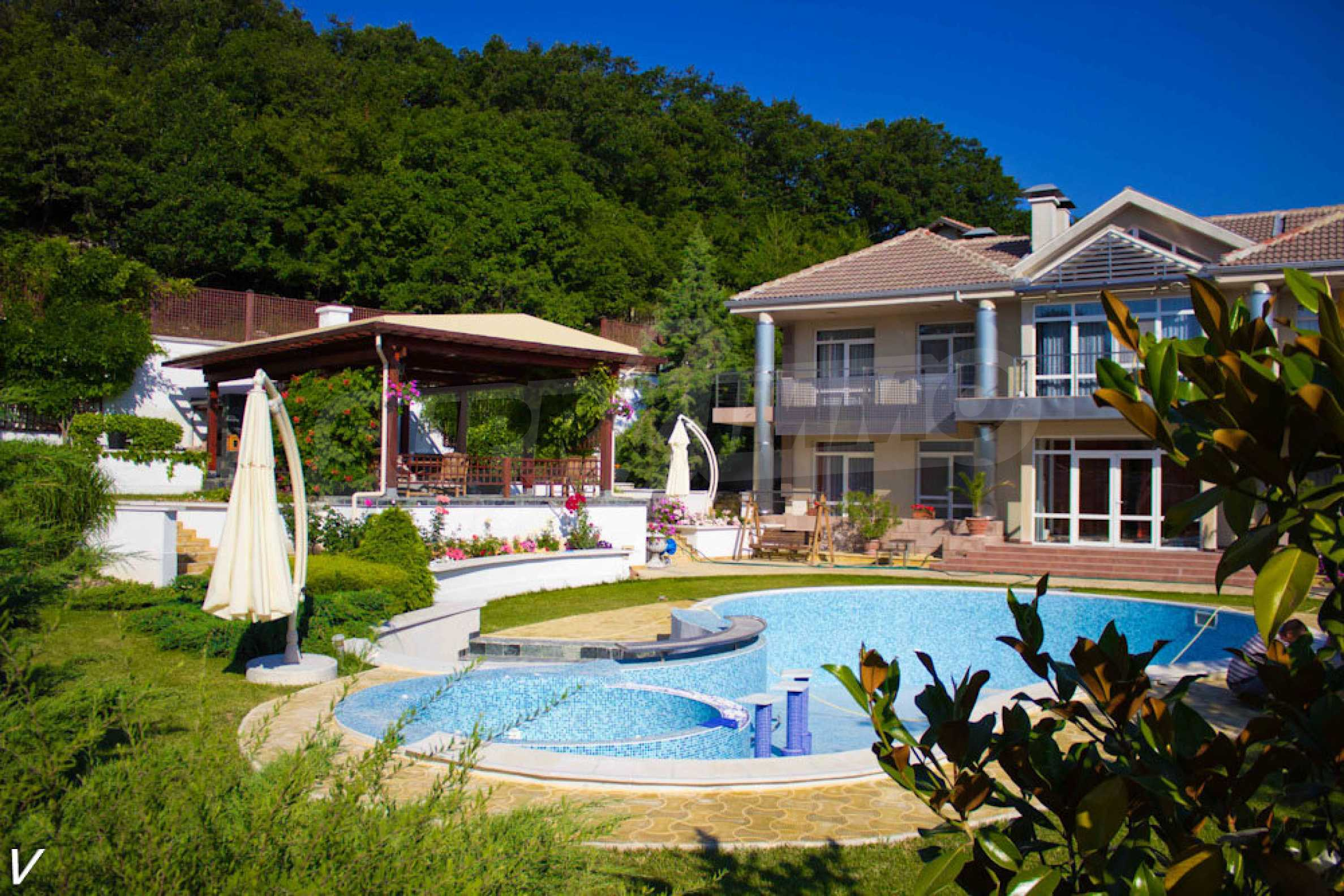 Majestic estate close to Varna 3