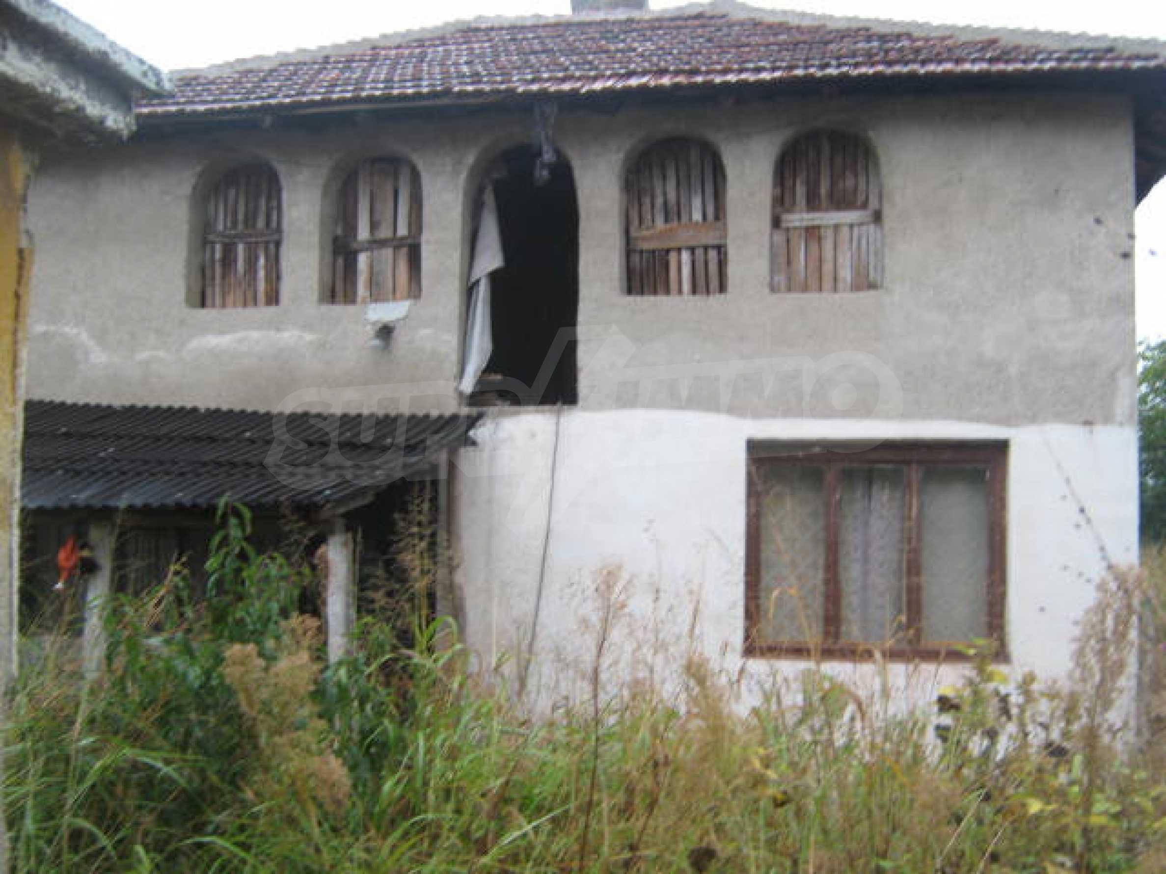 Масивна къща до Видин 9