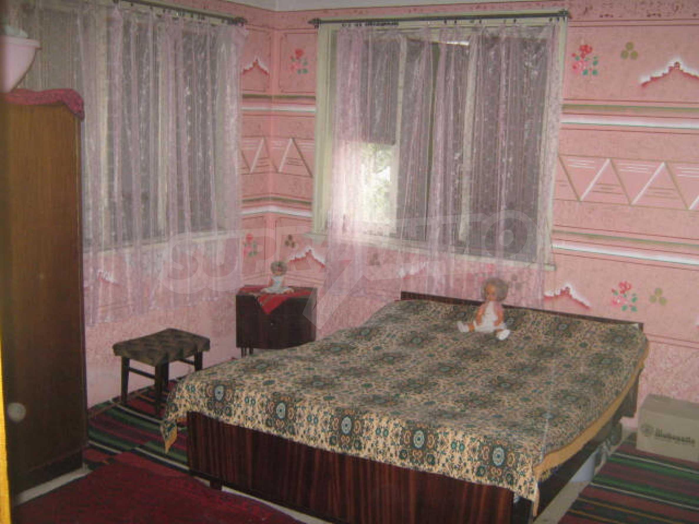 Масивна къща до Видин 4