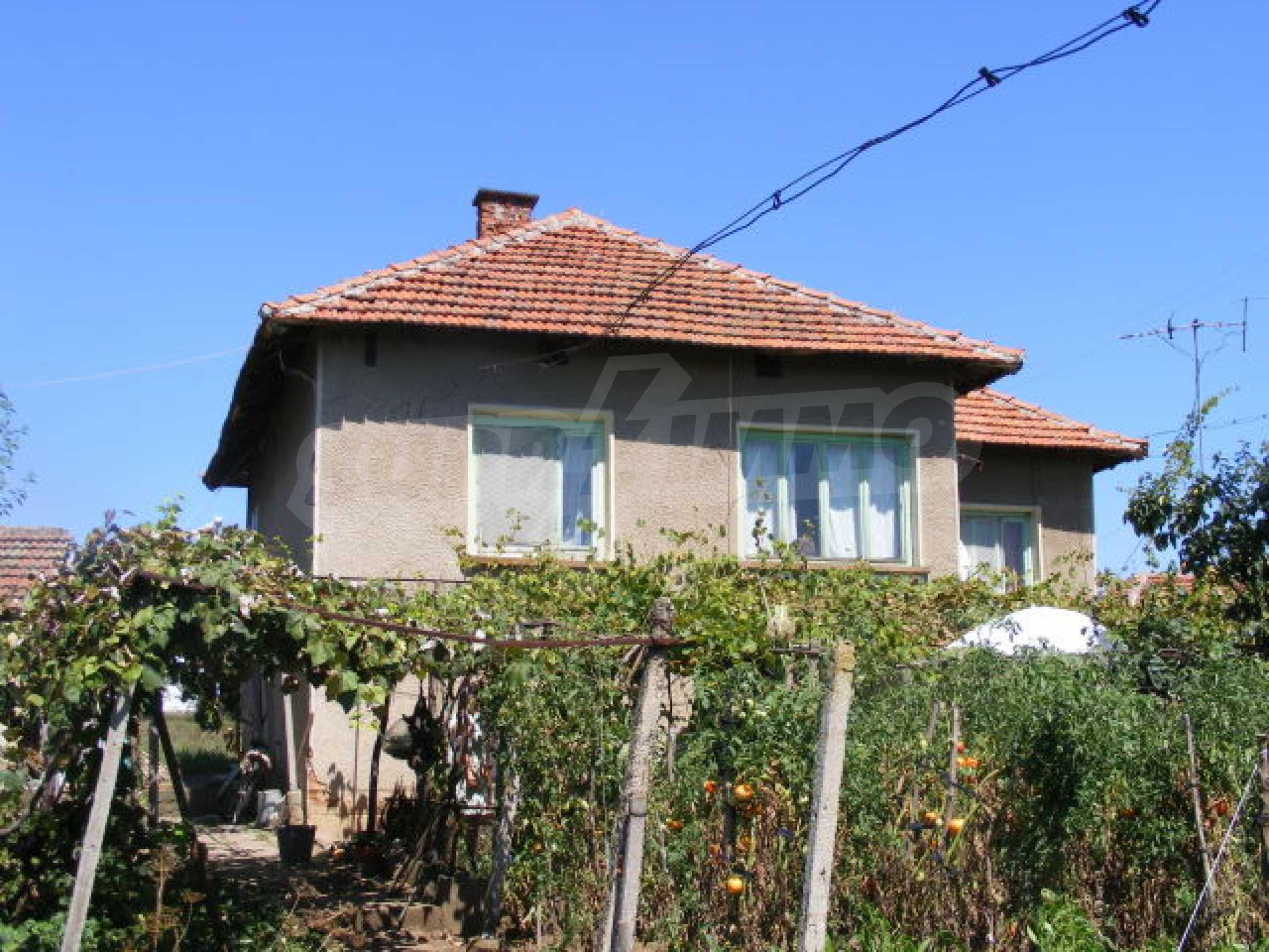 Schönes Haus mit einem großen Garten 1
