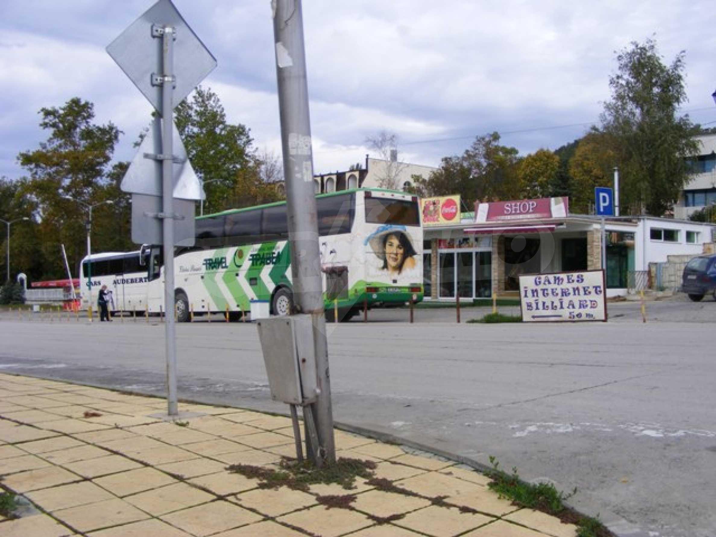 Функциониращ магазин в Балчик 15