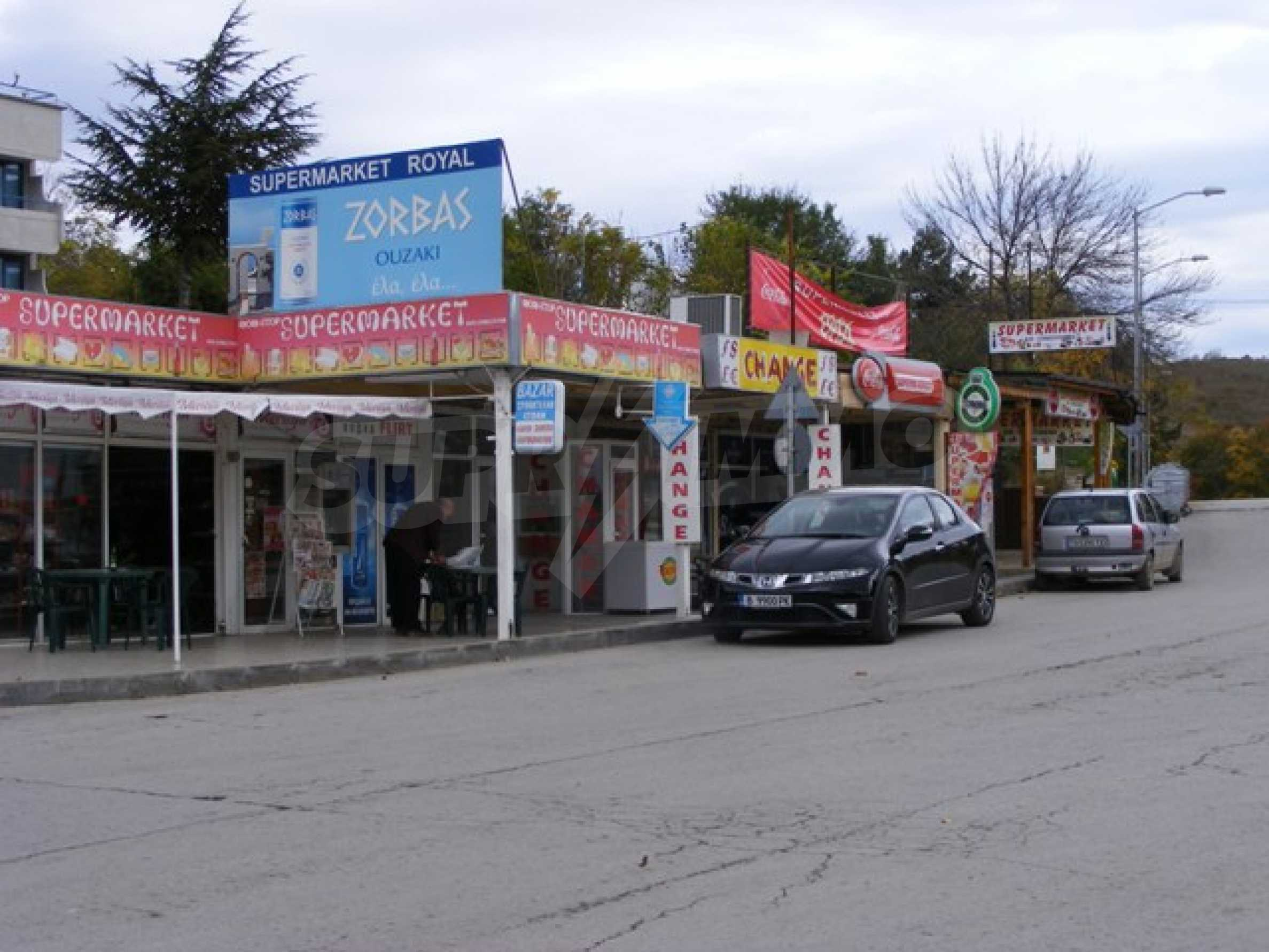 Функциониращ магазин в Балчик 1